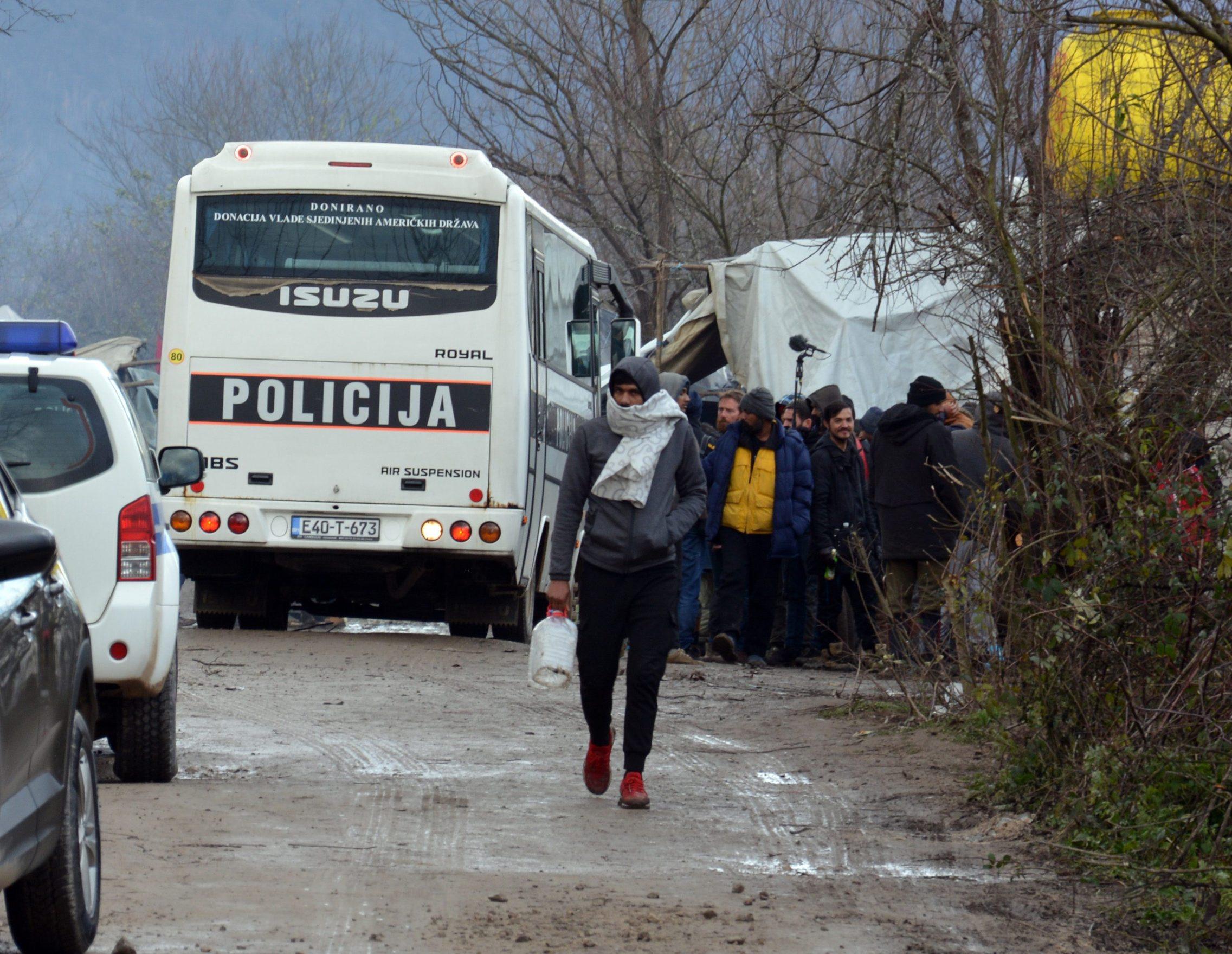Ilustracija: Migranti u kampu Vučjak