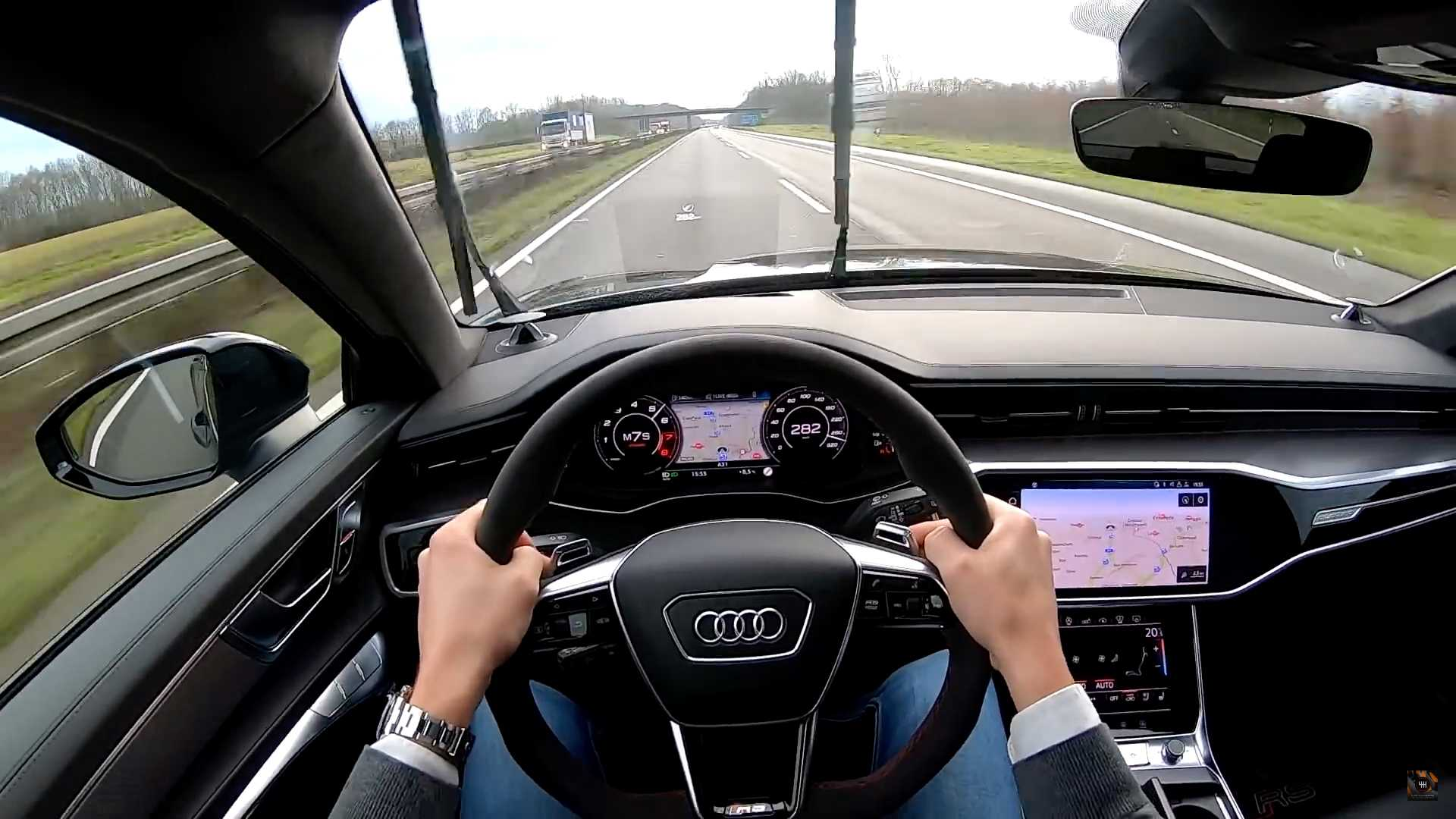 2021-audi-rs6-avant-autobahn