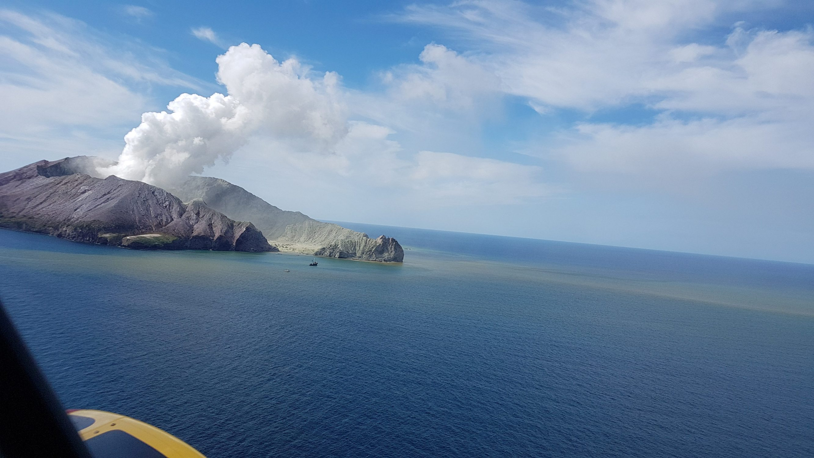 A view of White Island, New Zealand from a helicopter, after a volcanic eruption December 9, 2019, in this picture obtained from social media. AUCKLAND RESCUE HELICOPTER TRUST /via REUTERS THIS IMAGE HAS BEEN SUPPLIED BY A THIRD PARTY. MANDATORY CREDIT. NO RESALES. NO ARCHIVES. MUST ON SCREEN COURTESY