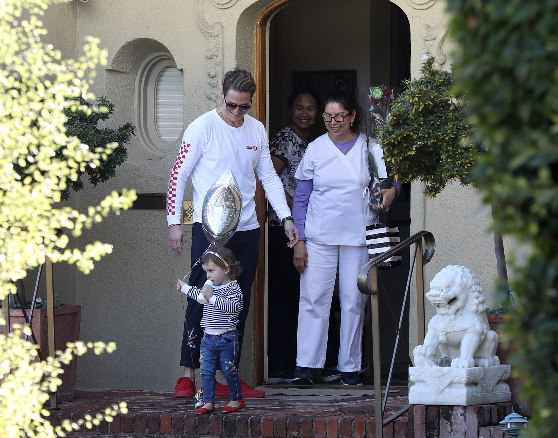 Los Angeles, CA  - Kirk Douglas grandson Cameron Douglas visits him on his 103rd birthday in Beverly Hills  BACKGRID USA 9 DECEMBER 2019, Image: 487222854, License: Rights-managed, Restrictions: , Model Release: no, Credit line: Clint Brewer / BACKGRID / Backgrid USA / Profimedia