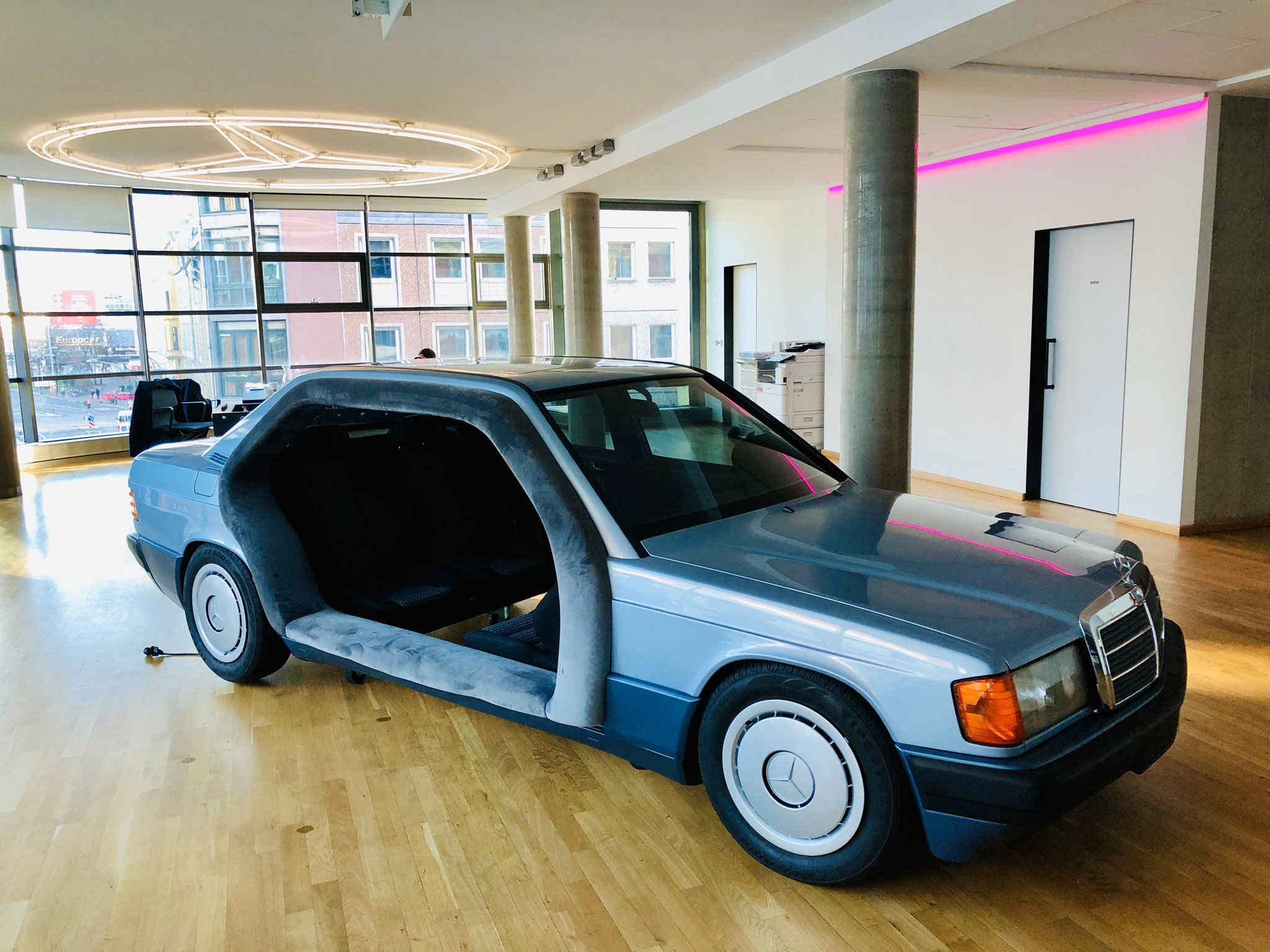 the-coolest-non-running-1991-mercedes-benz-190-doubles-as-office-space-139681_1