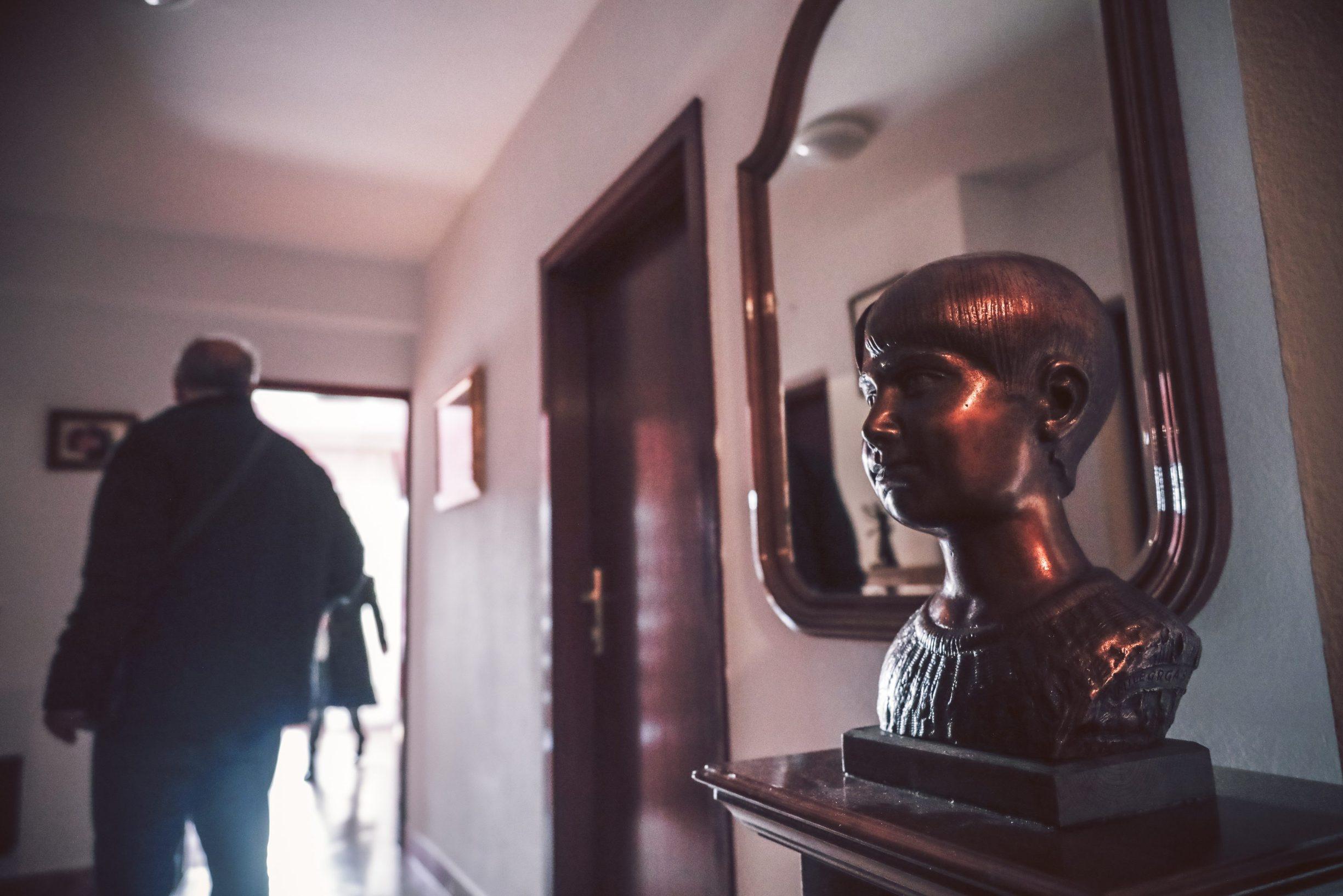Benkovac, 031219 Reportaza o Benkovcu. Na fotografiji djela kipara Mile Grgasa. Foto: Danijel Soldo / CROPIX