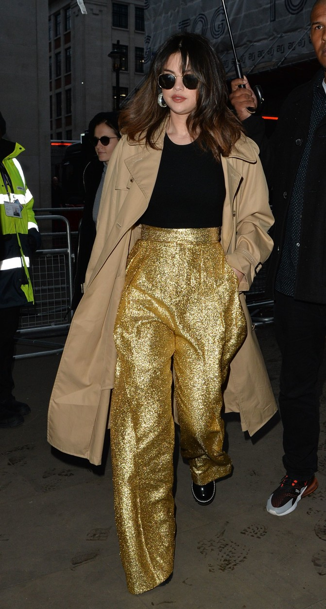 Selena Gomez Selena Gomez out and about, London, UK - 11 Dec 2019, Image: 487552876, License: Rights-managed, Restrictions: , Model Release: no, Credit line: Palace Lee / Shutterstock Editorial / Profimedia