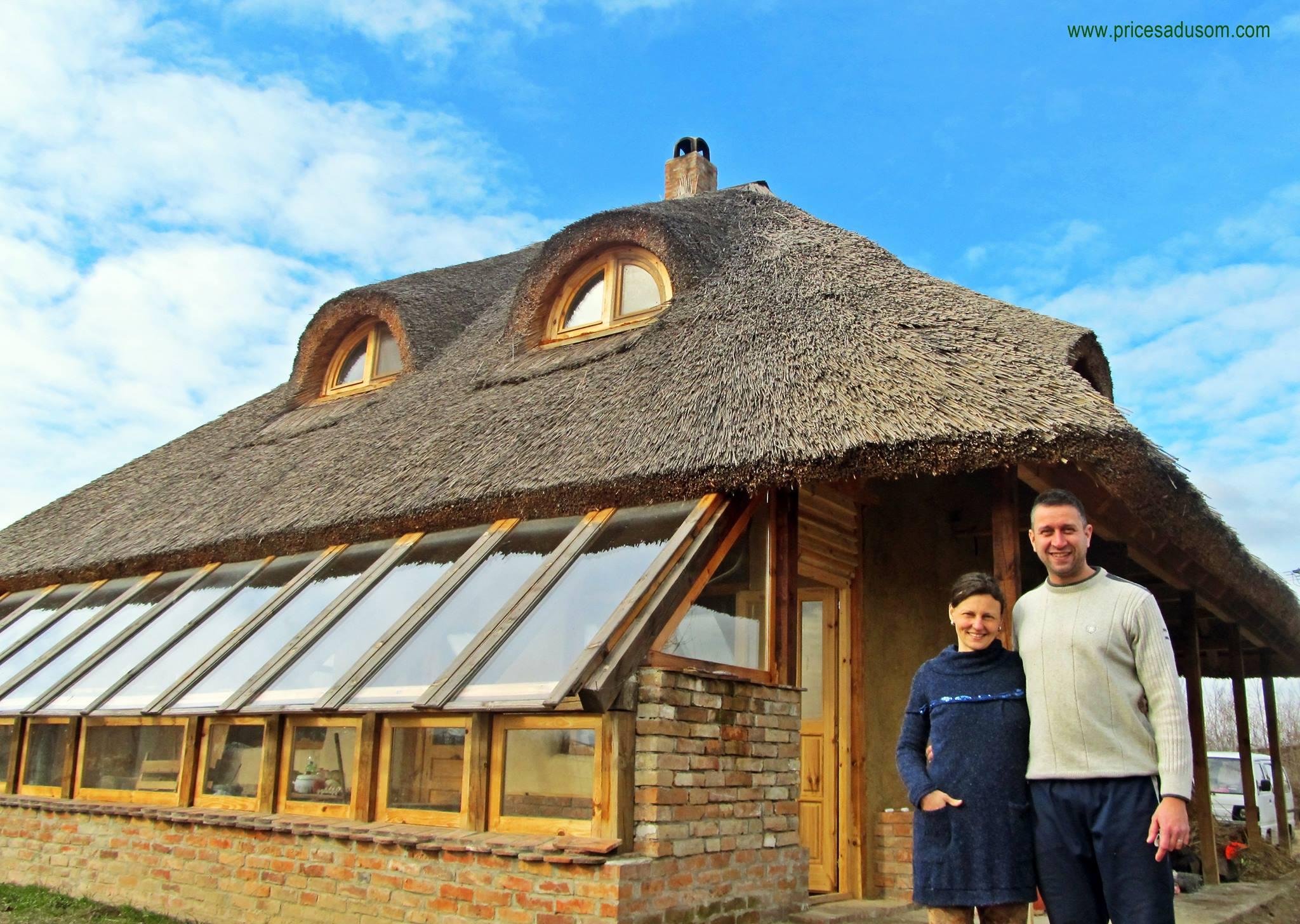 Obitelj Đupovac, Nada (40) i Milan (37) pobjegli iz grada i izgradili kuću od prirodnih materijala