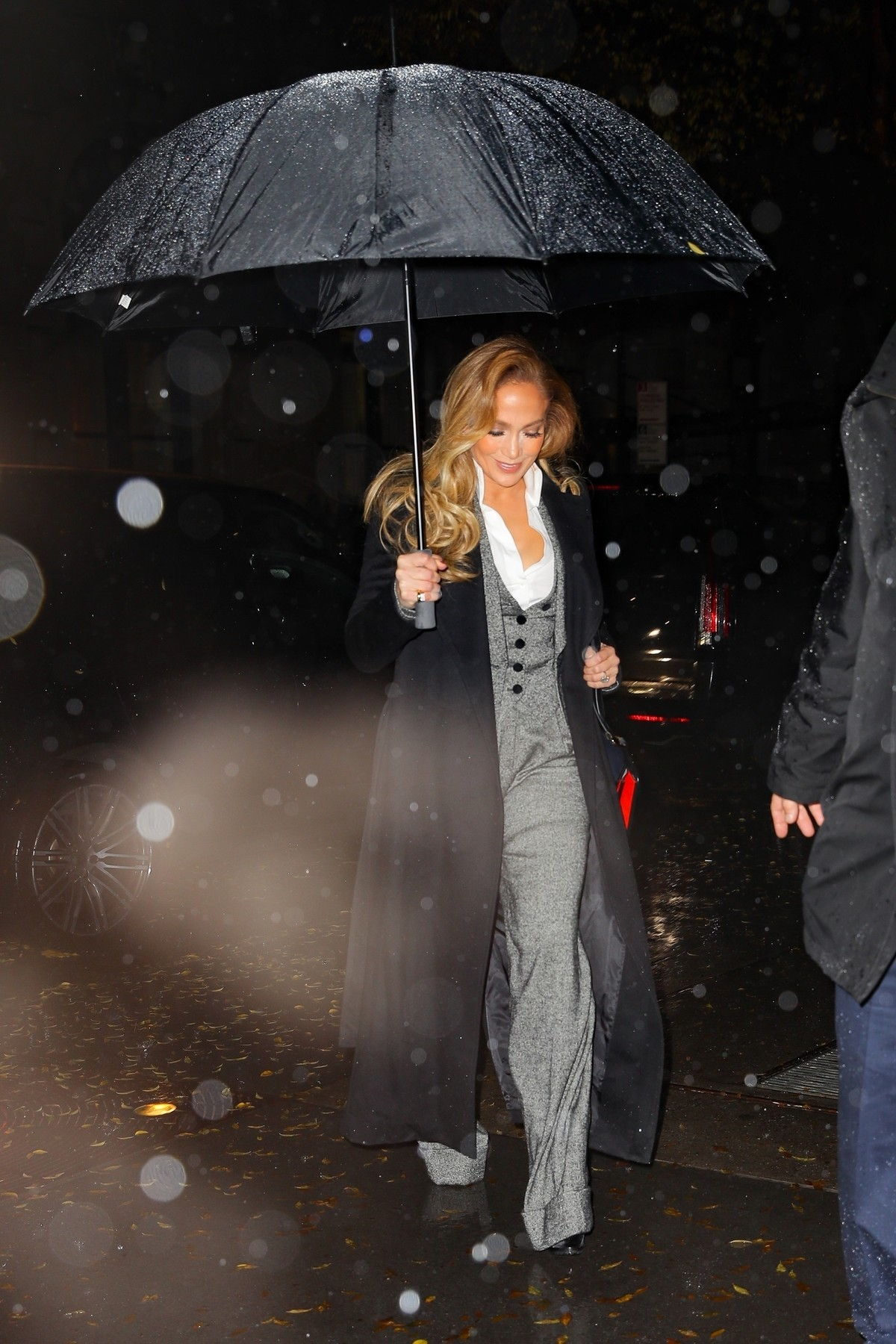 New York, NY  - Jennifer Lopez looks stunning in a grey jumpsuit as she arrives at a private event in NYC.  *UK Clients - Pictures Containing Children Please Pixelate Face Prior To Publication*, Image: 485872319, License: Rights-managed, Restrictions: , Model Release: no, Credit line: Ulices Ramales / BACKGRID / Backgrid USA / Profimedia