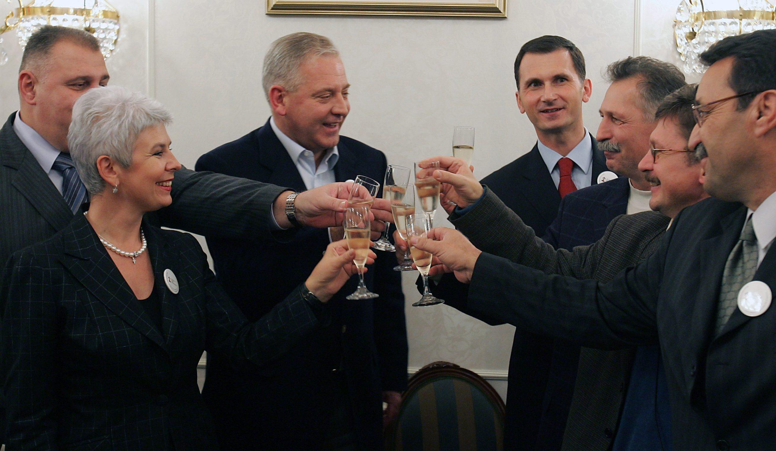 Ivan Šuker, Jadranka Kosor, Ivo Sanader, Dragan Primorac, Branimir Mihalinec i Vilim Ribić