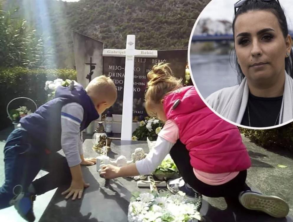 Ivana Bebić, majka preminulog Gabrijela (u krugu)