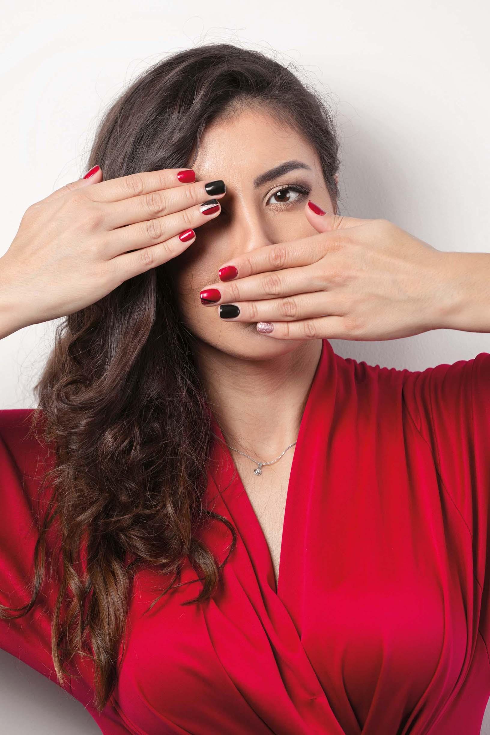 Manekenka Sara Hdagha sa svojim 'razigranim' noktima