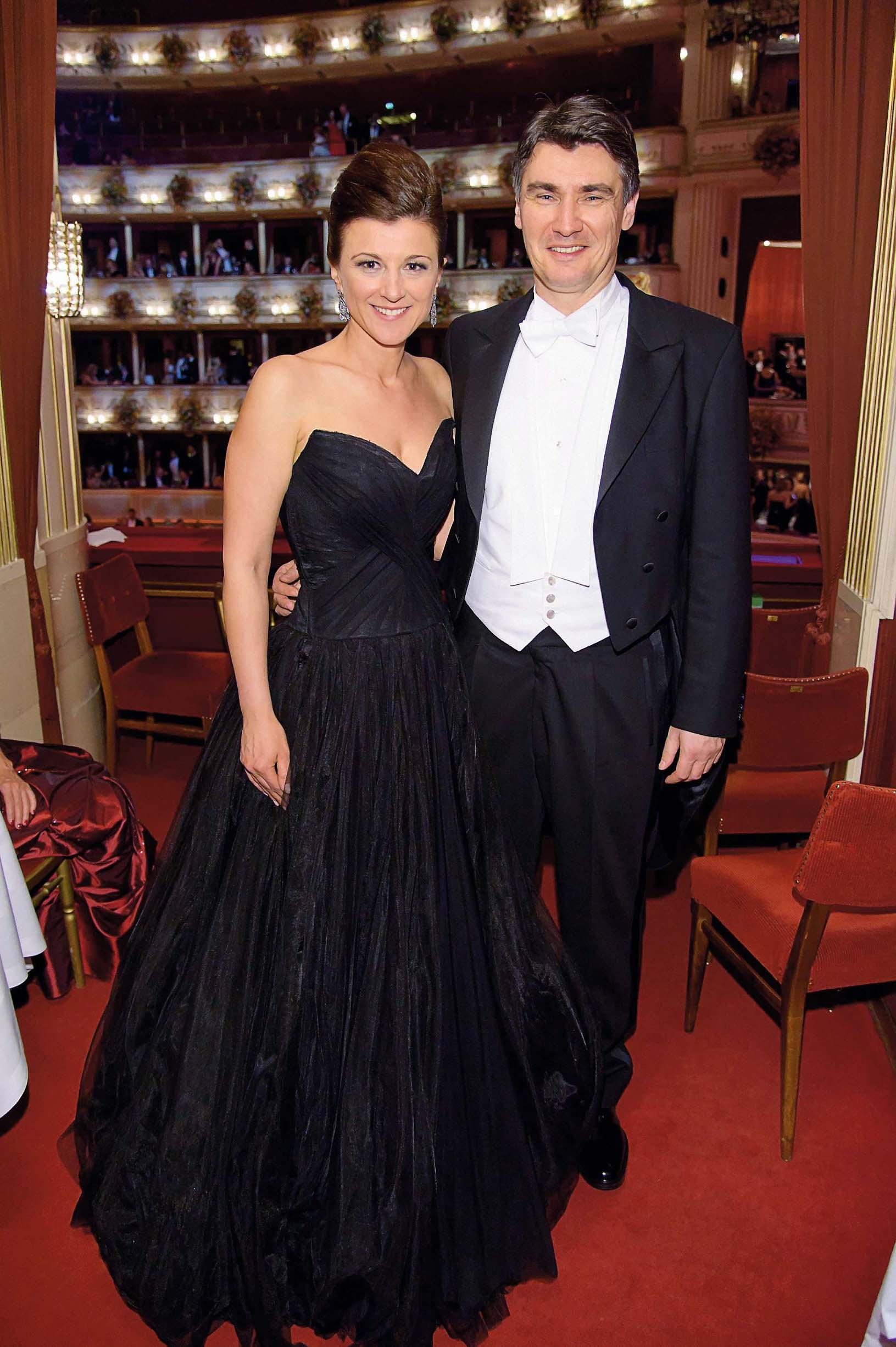 56. Wiener Opernball, Wiener Staatsoper, Wien, 16.2.2012, Zoran MILANOVIC mit Ehefrau