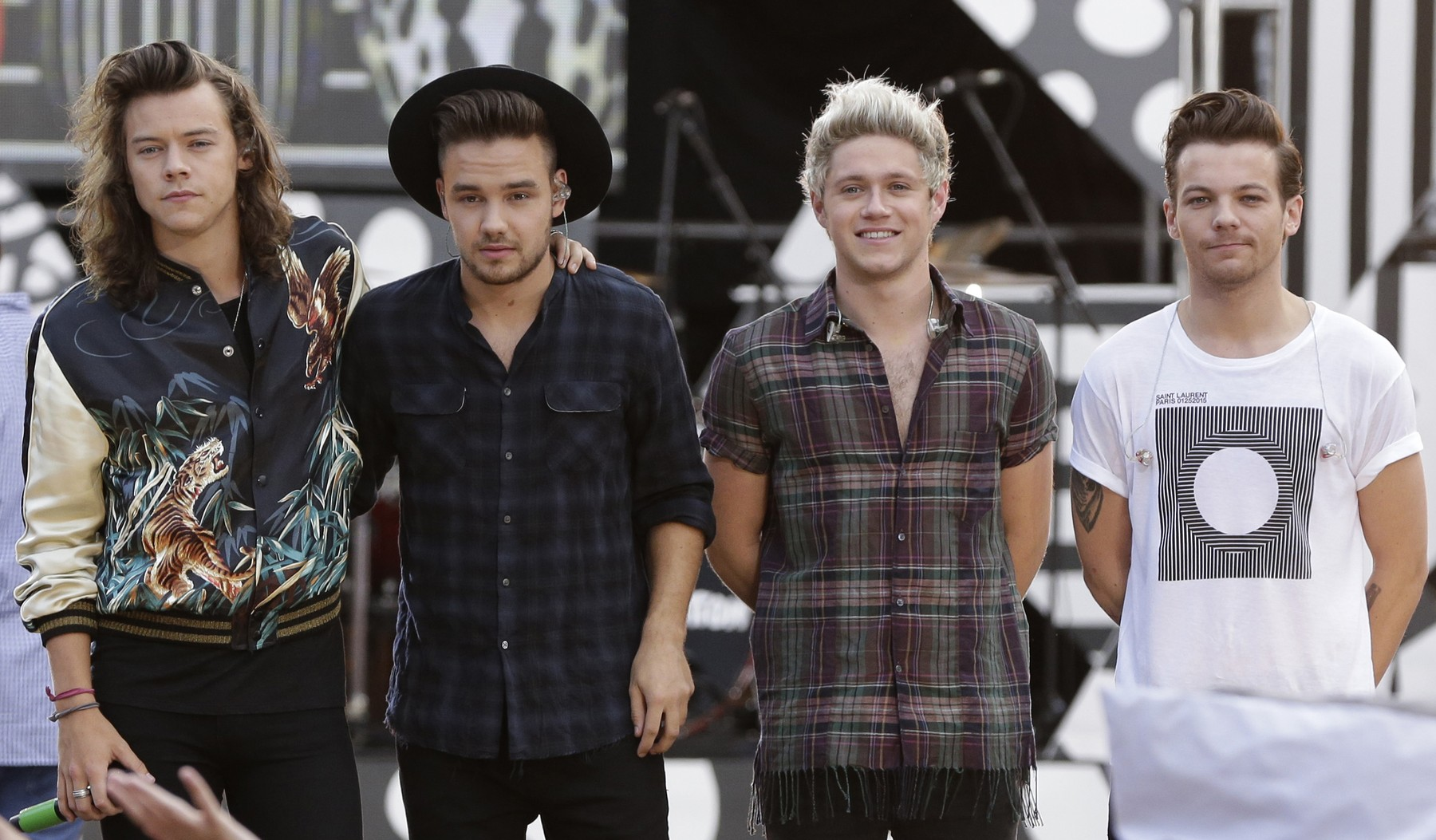 NEW YORK, NY - AUGUST 04: Harry Styles, Liam Payne, Niall Horan and Louis Tomlinson of One Direction pose onstage during ABC's 'Good Morning America' at Rumsey Playfield, Central Park on August 4, 2015 in New York City...People:  Harry Styles, Liam Payne, Niall Horan and Louis Tomlinson., Image: 410891544, License: Rights-managed, Restrictions: , Model Release: no, Credit line: SMG / Zuma Press / Profimedia