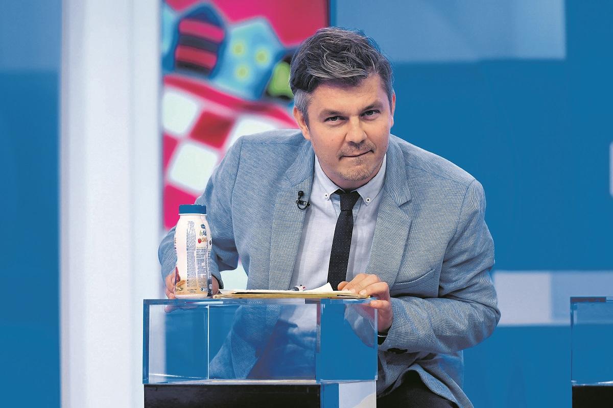 Zagreb, 171219.  HRT, Prisavlje 3.  Suceljavanje 11 predsjednickih kandidata.  Na fotografiji:  Dario Jurican - Milan Bandic. Foto: Goran Mehkek / CROPIX