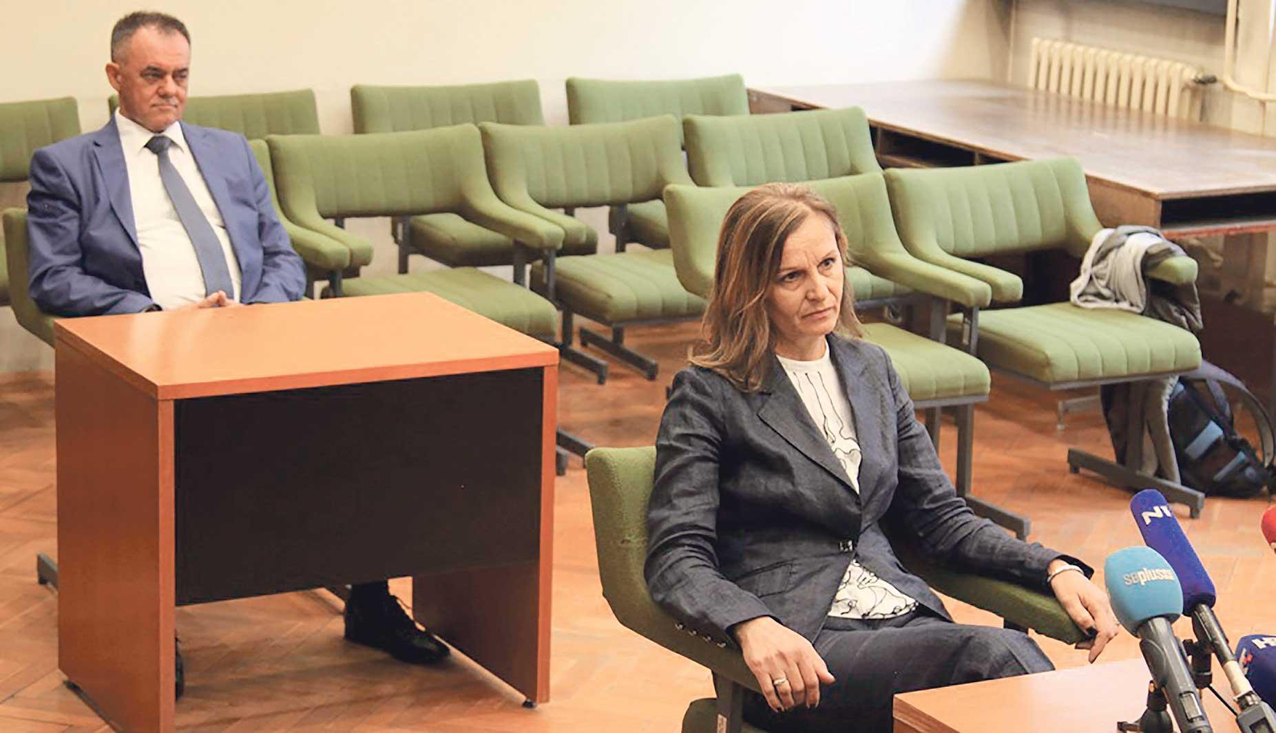Požeški župan Alojz Tomašević u sudnici sa suprugom Mare Tomašević