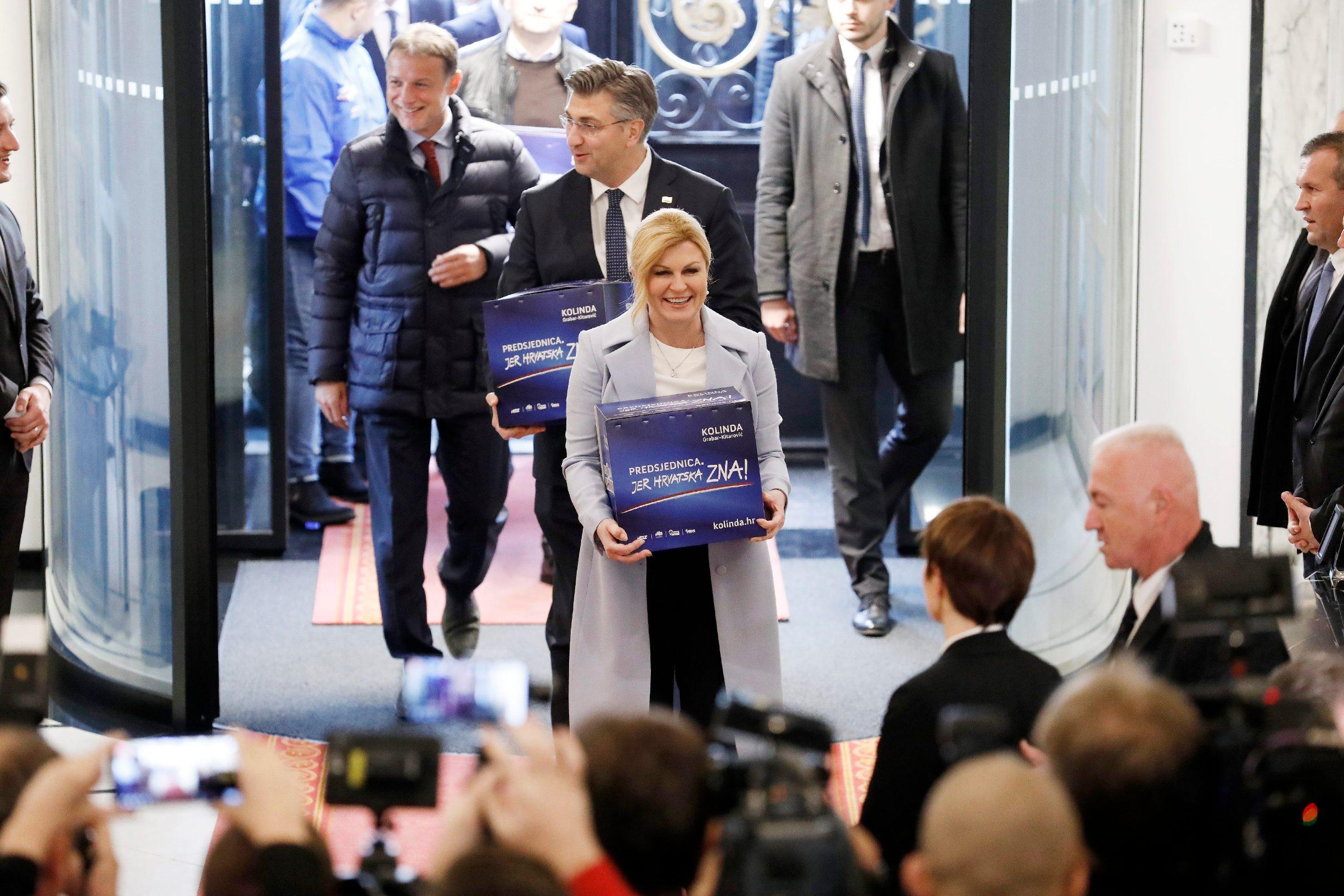 Zagreb, 031219. Sabor RH. Predsjednica RH Kolinda Grabar Kitarovic predala je potpise u Saboru za kandidaturu za predsjednicke izbore. Na fotografiji: Kolinda Grabar Kitarovic. Foto: Tomislav Kristo / CROPIX