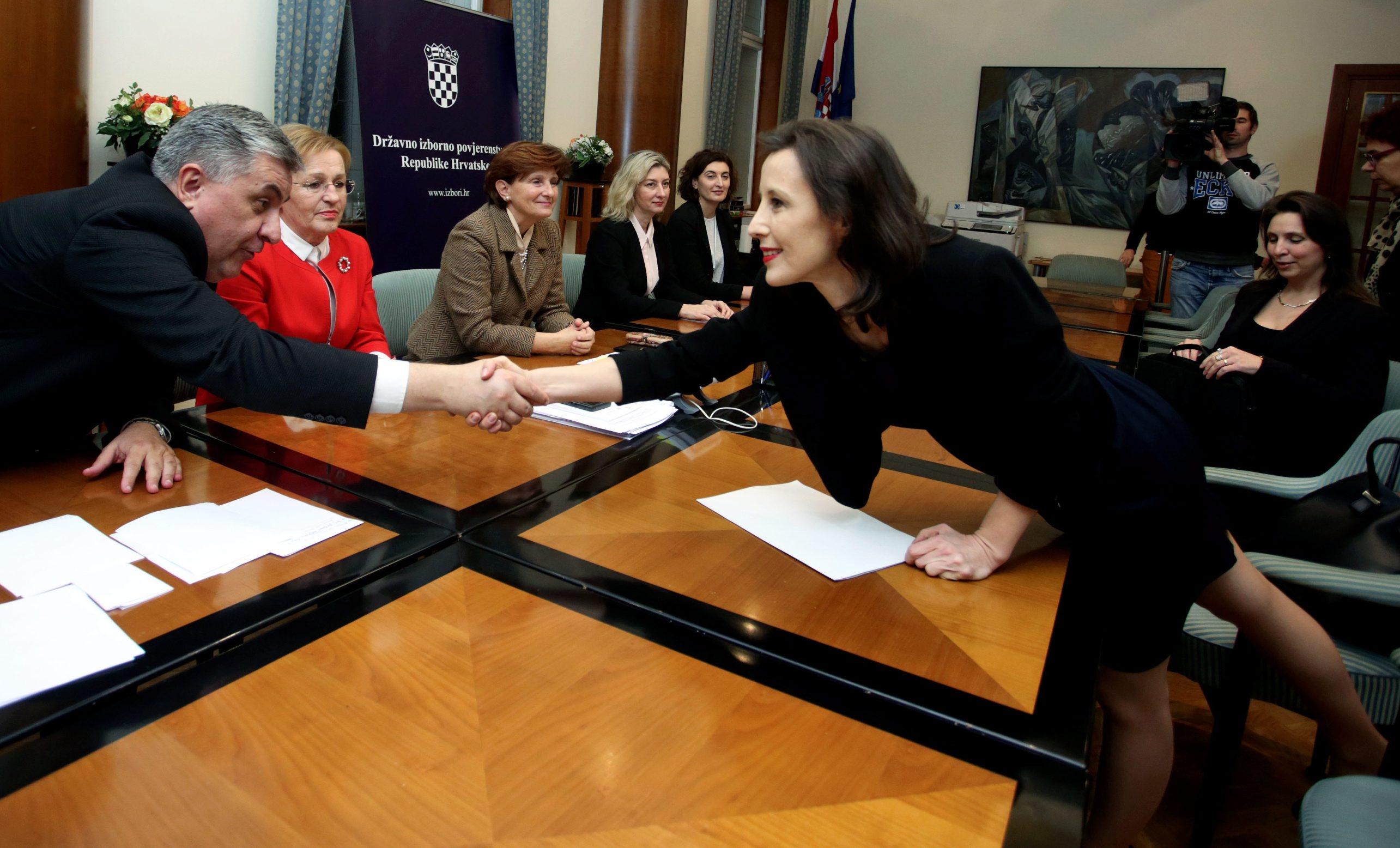 Zagreb, 031219. Sabor RH.  Dalija Oreskovic predala je potpise u Saboru za kandidaturu za predsjednicke izbore. Na fotografiji: Dalija Oreskovic. Foto: Damjan Tadic / CROPIX