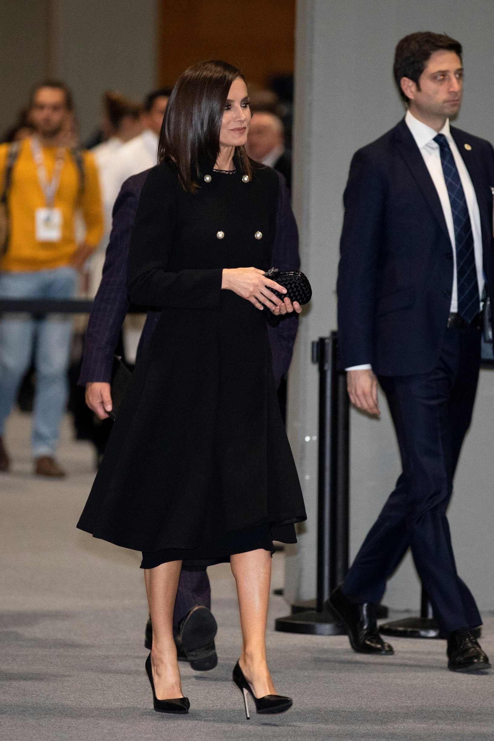 MADRID, SPAIN - DECEMBER 03: Queen Letizia of Spain (C) leaves after a conference at the COP25 Climate Submmit at IFEMA Madrid on December 03, 2019 in Madrid, Spain. (Photo by Pablo Blazquez Dominguez/Getty Images)