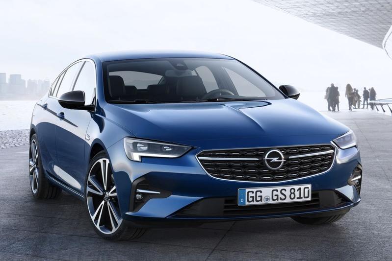 2020-Opel-Insignia-7