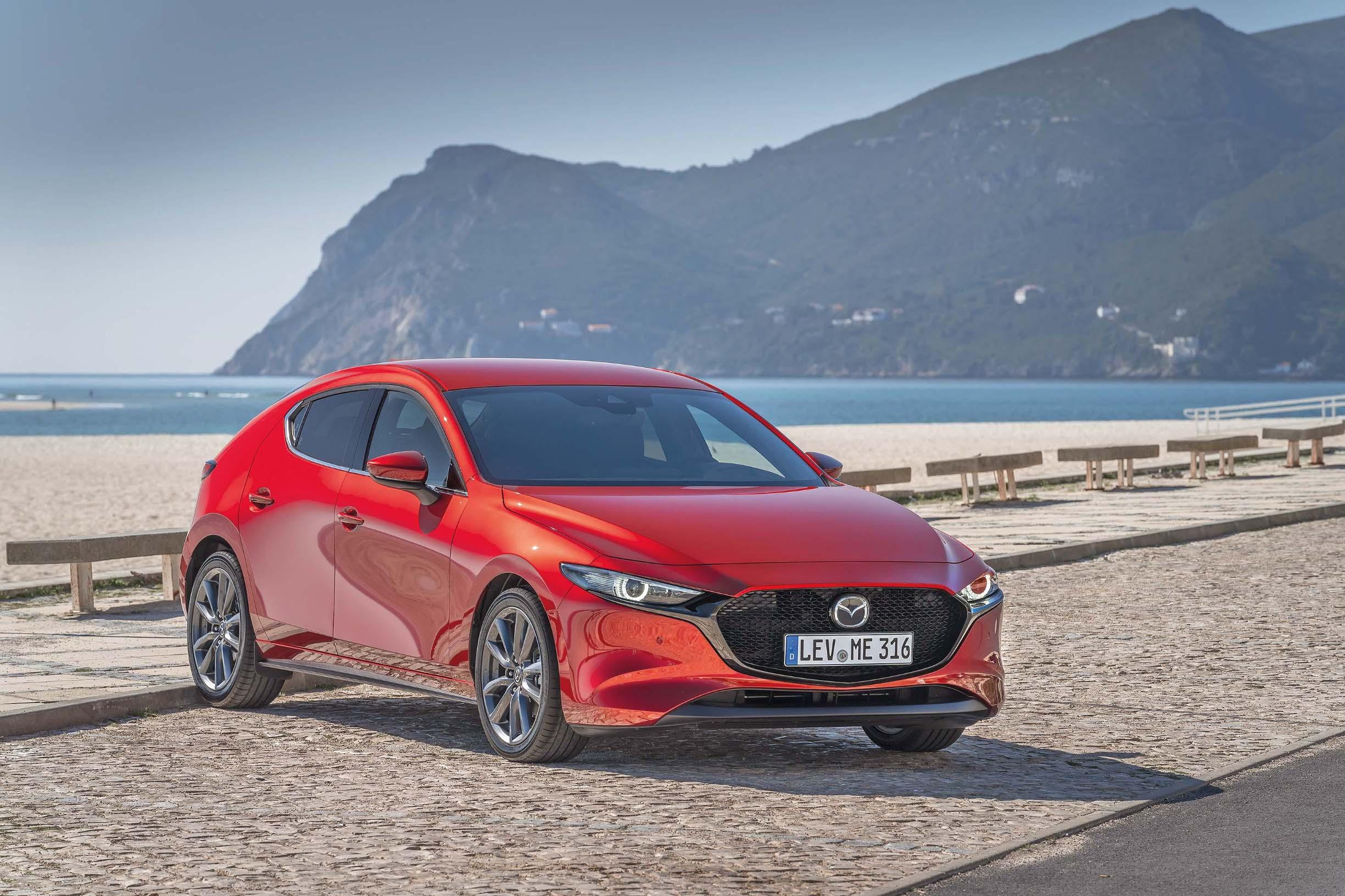 Mazda 3, na glasu kao jedno od trenutačno najseksepilnijih vozila na cesti, trijumfirala je i u kategoriji obiteljskog auta