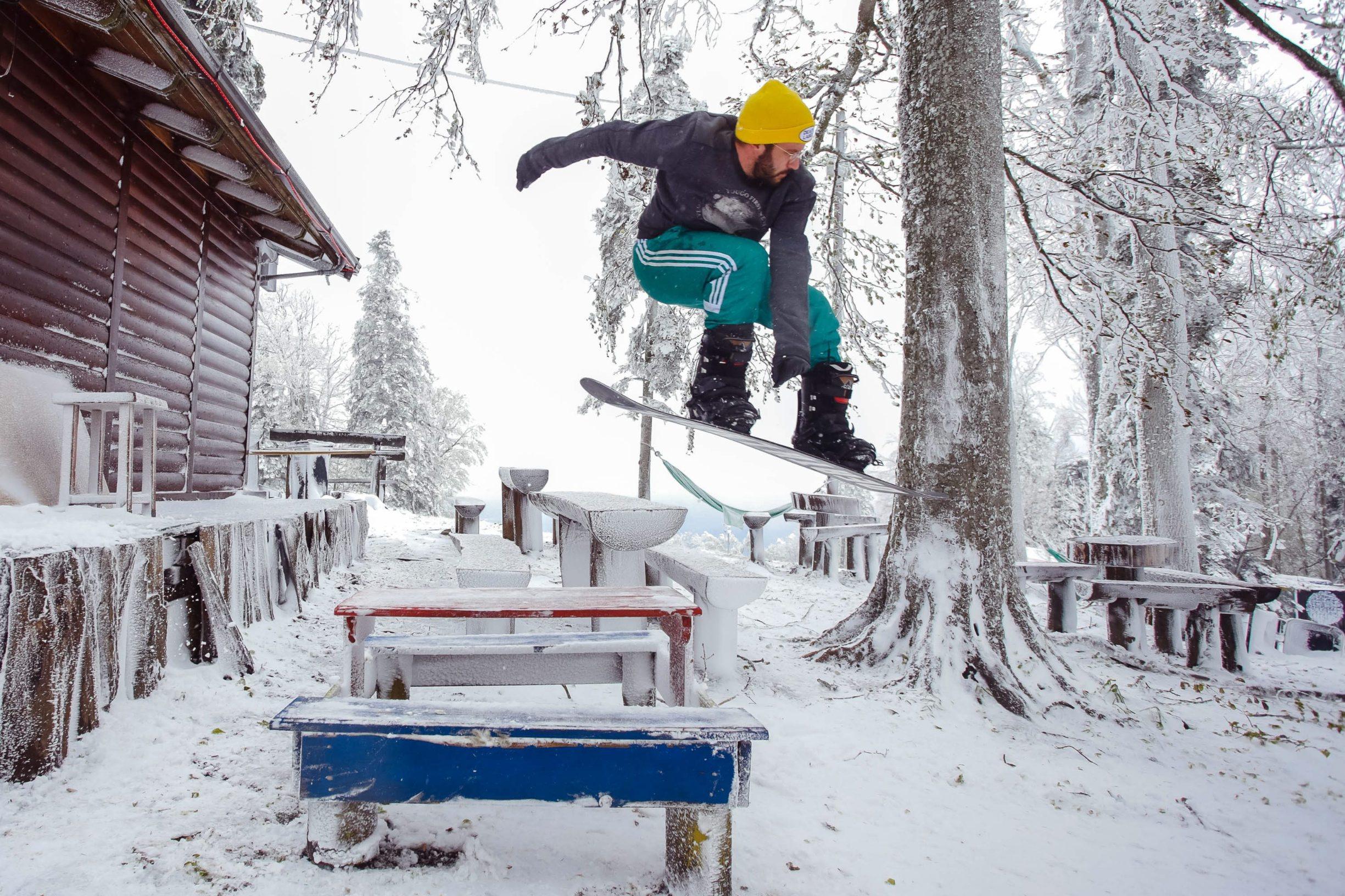 Zagreb, 060519. Sljeme. Vrh Medvednice zabijelio je snijeg. Na fotografiji: Vid Baric. Foto: Marko Todorov / CROPIX