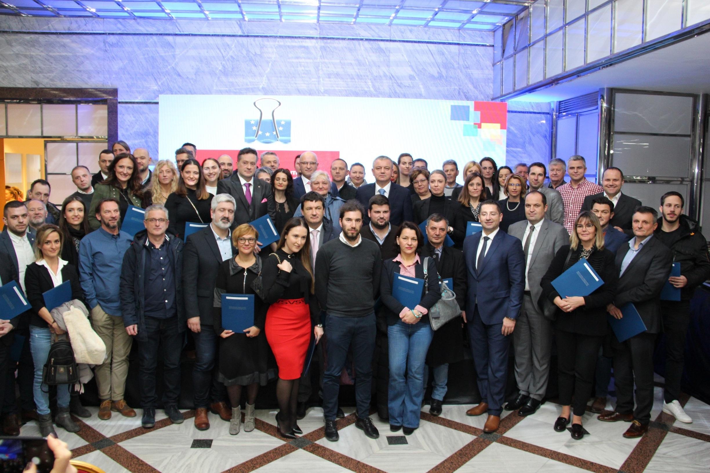 Ministar Darko Horvat dodijelio je tvrtkama 54 milijuna kuna za nove tehnologije i inovacije