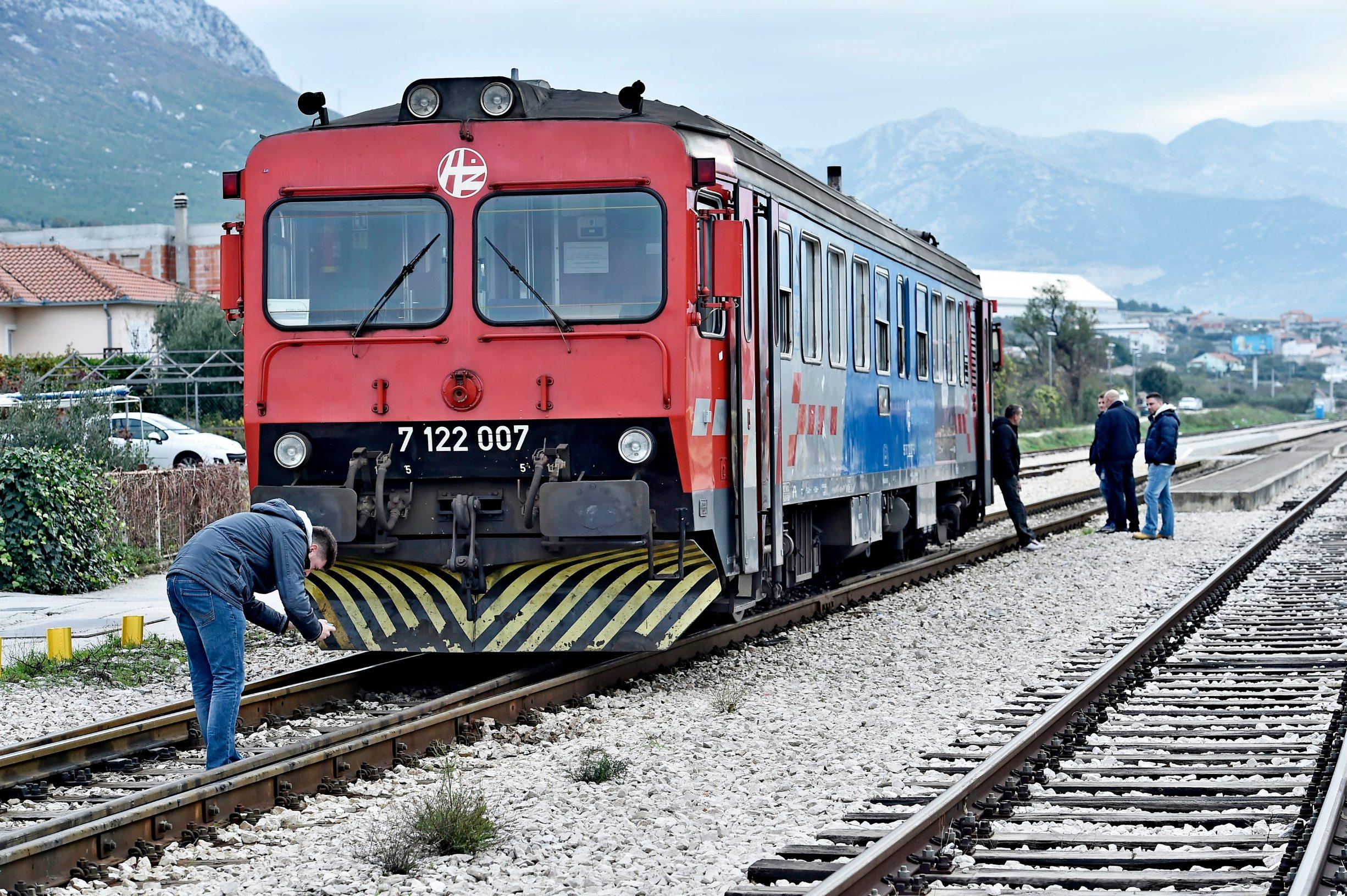 vlak_kastela3-061219