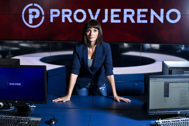 Zagreb, 310817. Ivana Paradzikovic, urednica emisije Provjereno, fotografirana na Novoj TV. Foto: Boris Kovacev / CROPIX