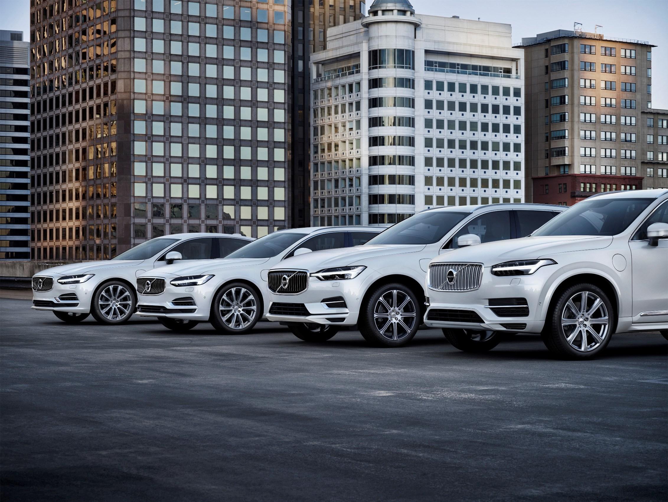 207937_Volvo_Cars_T8_Twin_Engine_Range