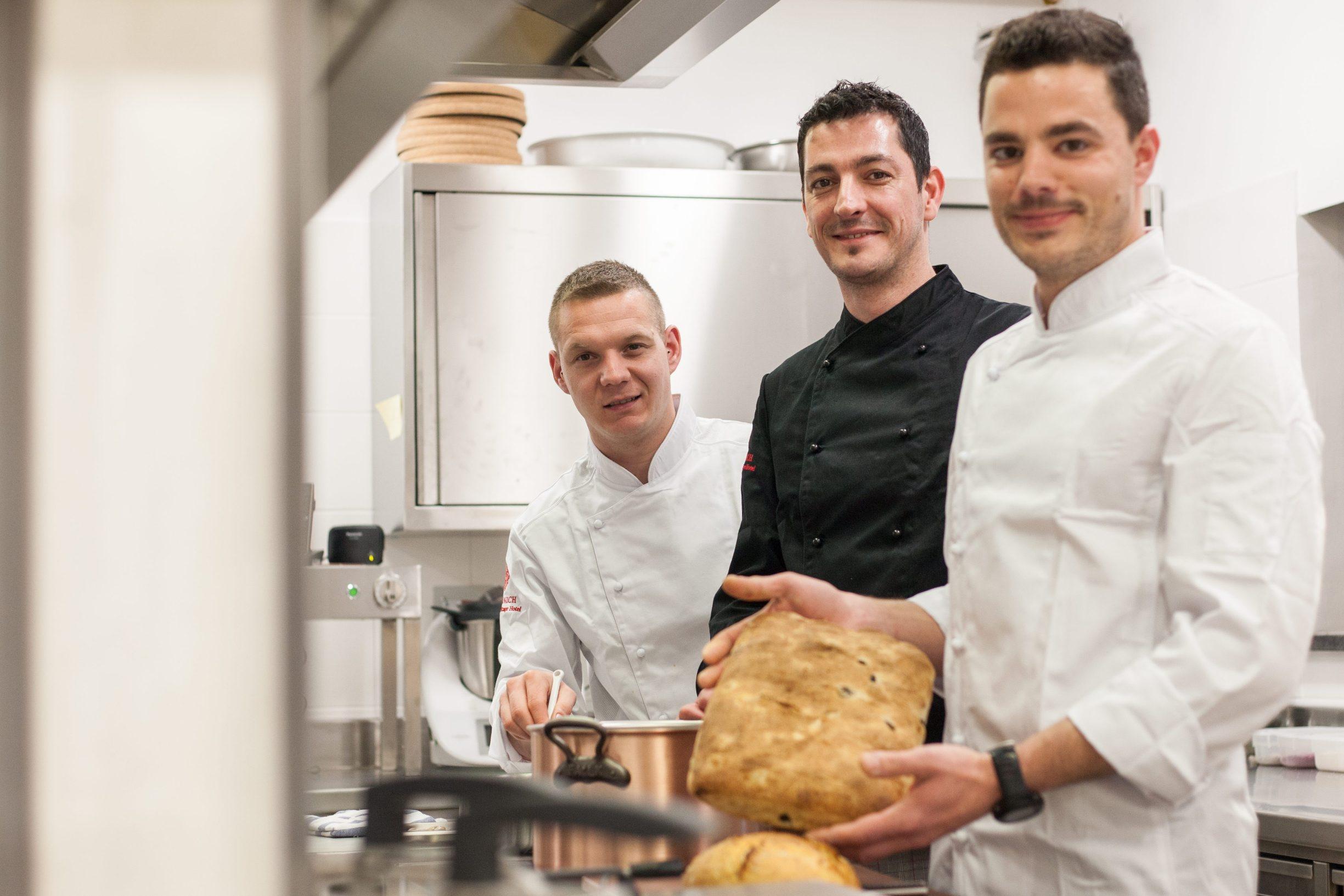 Motovun, 130219. Vinarija i hotel Roxanich. Na fotografiji: mladi kuharski trio novootvorenog hotela. Foto: Matija Djanjesic / CROPIX
