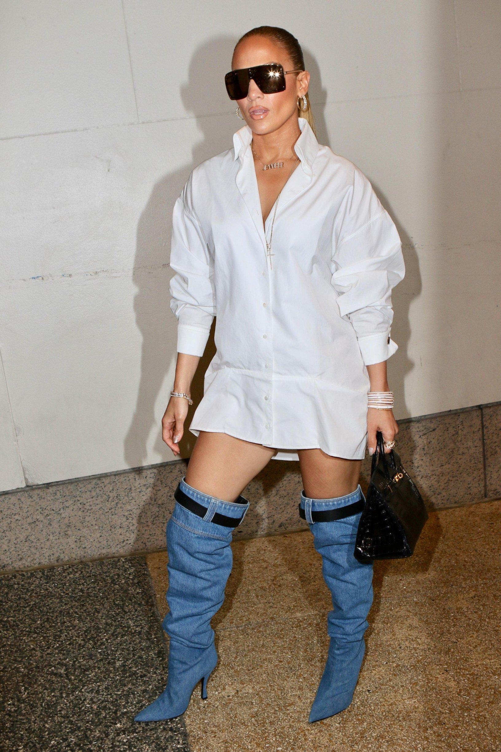 , New York, NY - 20180731 -  Jennifer Lopez at TRL  -PICTURED: Jennifer Lopez -, Image: 380449422, License: Rights-managed, Restrictions: , Model Release: no, Credit line: Profimedia, INSTAR Images