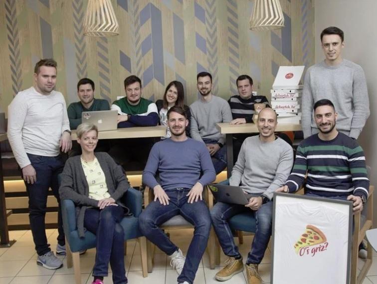 ekipa koja stoji iza servisa dobartek.hr
