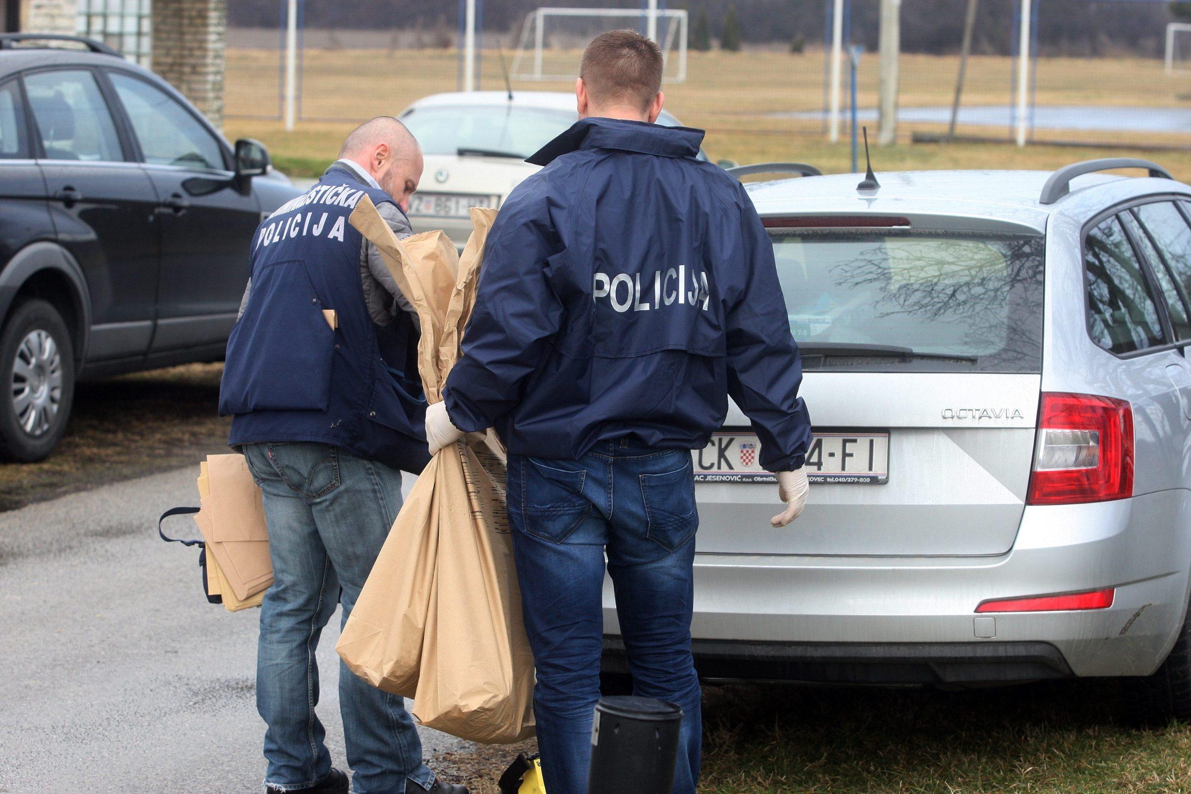 Palovec, 220219. Policija je jutros ponovo usla u kucu u Novoj ulici u Palovcu u kojoj je pronadjeno mrtvo tijelo Jasmine Dominic.  Foto: Zeljko Hajdinjak / CROPIX