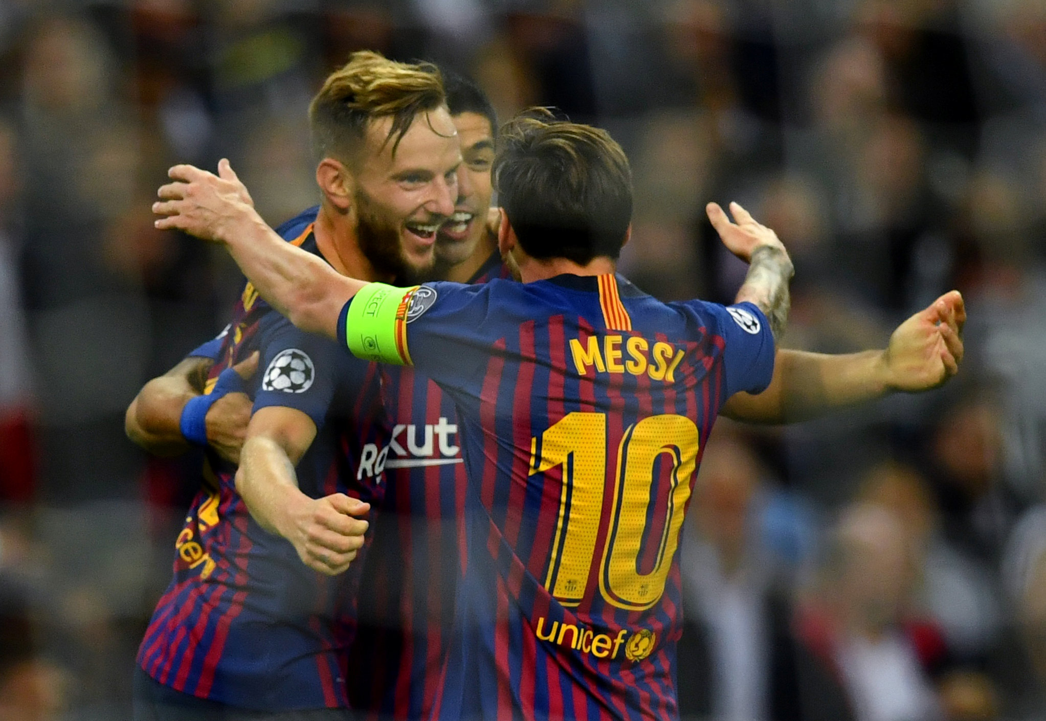 Soccer Football - Champions League - Group Stage - Group B - Tottenham Hotspur v FC Barcelona - Wembley Stadium, London, Britain - October 3, 2018  Barcelona's Ivan Rakitic celebrates with Lionel Messi after scoring their second goal   REUTERS/Dylan Martinez