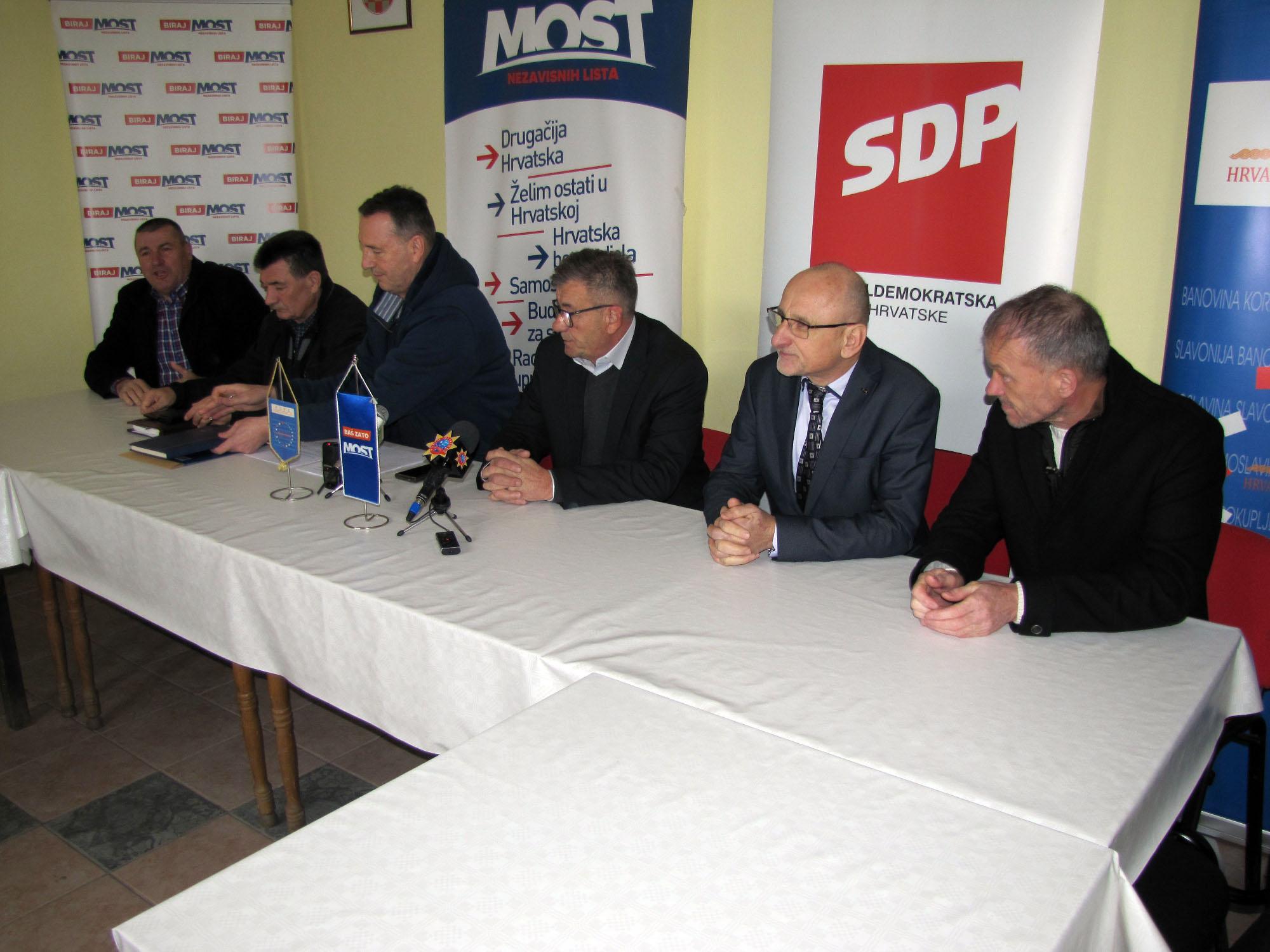 Oporbeni vijećnici u Skupštini Sisačko-moslavačke županije
