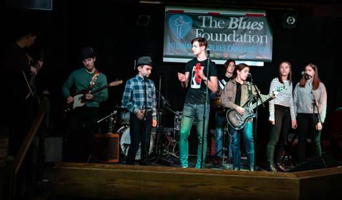 Mladi sisački glazbenici na nastupu u Memphisu