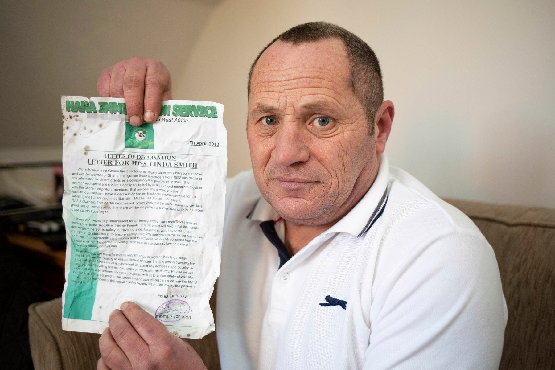 PIC FROM CATERS NEWS (PICTURED Dave Hazel ) A builder who was set to MARRY his online lover has been left devastated after claiming she scammed him out of 15,000. Dave Hazel, 59, says he fell in love with a called Linda Smith in 2013 and the pair spent the next three years exchanging messages and building on their relationship. During this time, Dave - who had never met Linda in person - was convinced his online lover was going to move from Canada to the UK. Yet as her requests for financial aid became more frequent and extreme, Dave found himself caught in a web of lies., Image: 416234507, License: Rights-managed, Restrictions: ., Model Release: no, Credit line: Profimedia, Caters News