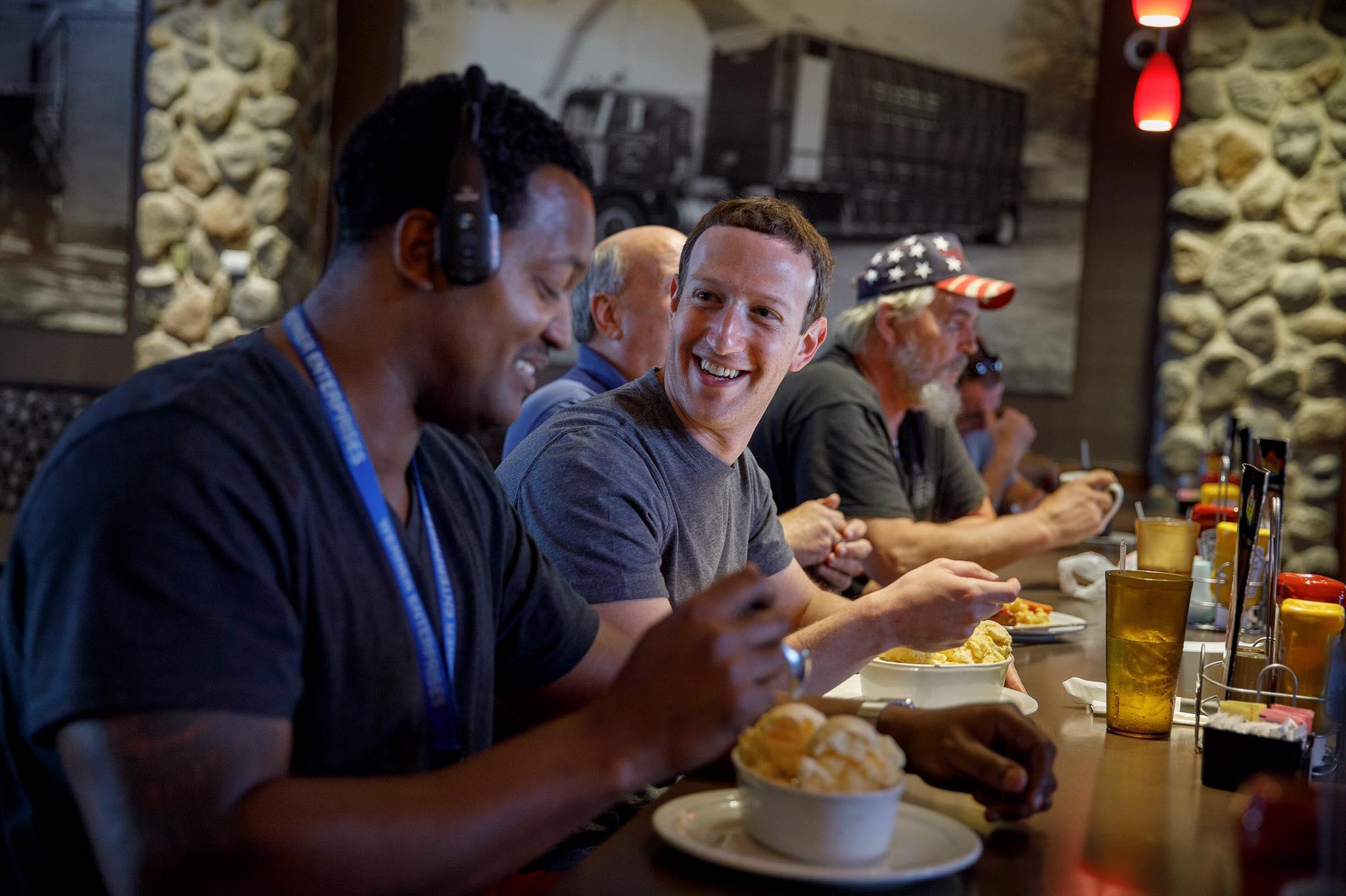 Mark Zuckerber u restoranu