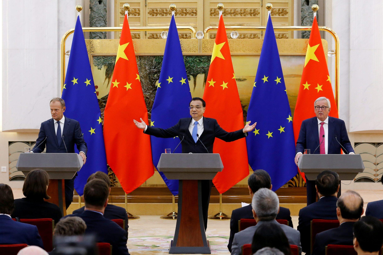 Predsjednik Europskog vijeća Donald Tusk (lijevo), kineski premijer Li Keqiang i predsjednik Europske komisije Jean-Claude Juncker