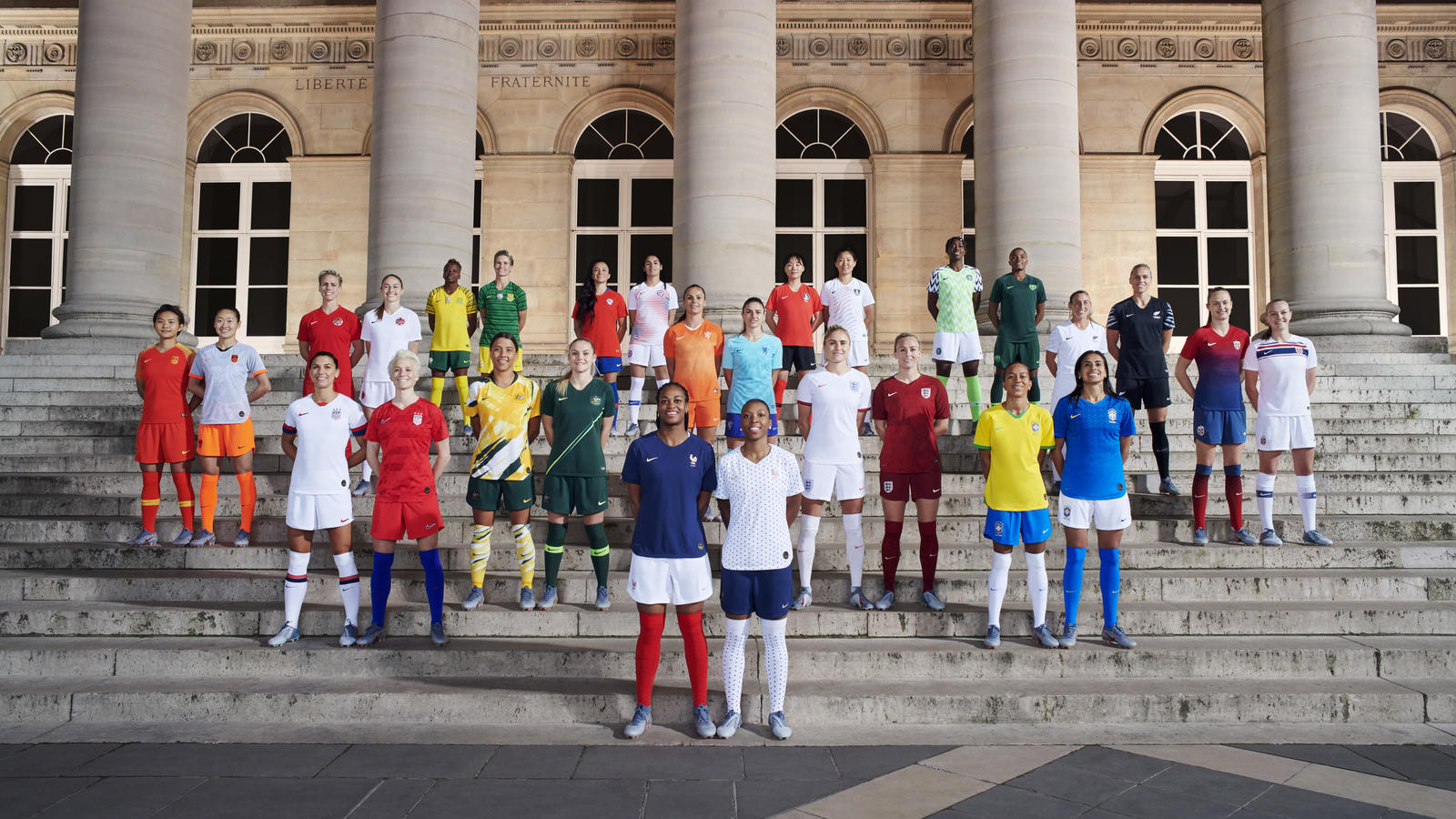 Nike-National-Team-Kit-Group-Paris-Elaine-Constantine-1_hd_1600