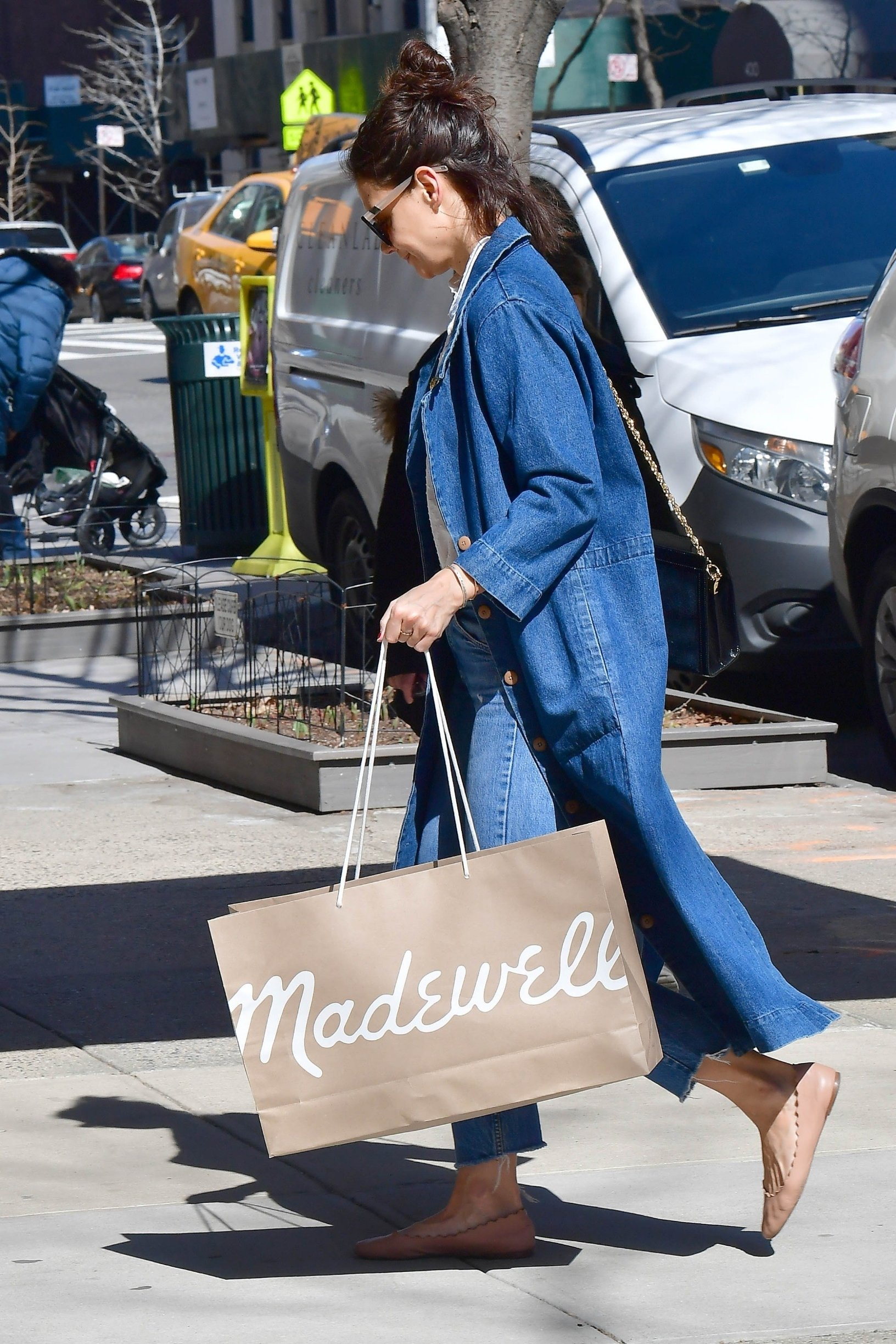 ** RIGHTS: WORLDWIDE EXCEPT IN FRANCE, GERMANY, POLAND ** New York, NY  - Actress Katie Holmes feeling blue wearing shades of blue with her ensemble today as she endulges into some retail therapy at Madewell.  With rumors swirling that she and Jamie Foxx have split, perhaps Katie was looking to cheer herself up with a shopping spree.  Pictured: Katie Holmes  BACKGRID USA 14 MARCH 2019, Image: 419475749, License: Rights-managed, Restrictions: , Model Release: no, Credit line: Profimedia, Backgrid USA