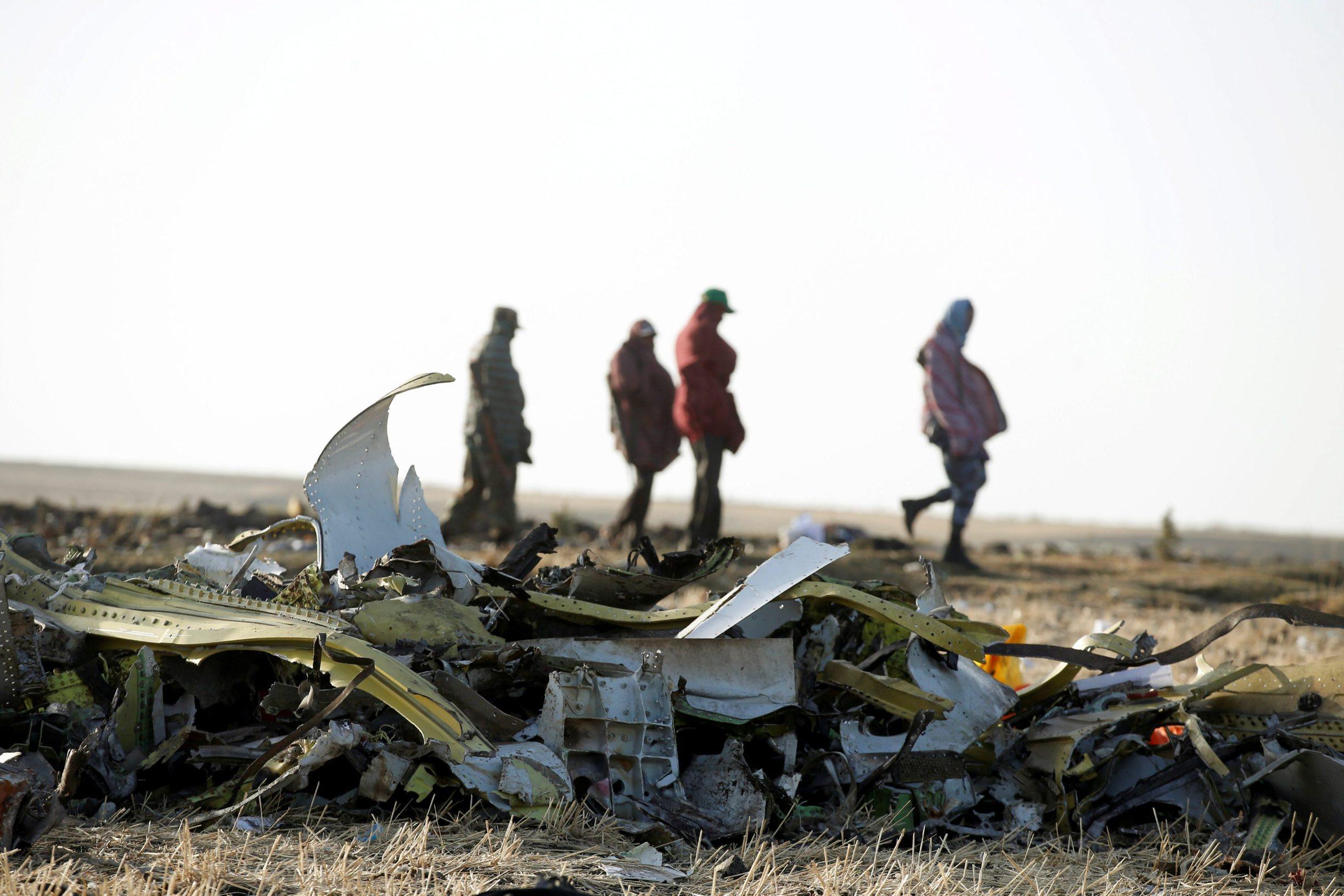 Dijelovi aviona s leta 302 nakon rušenja