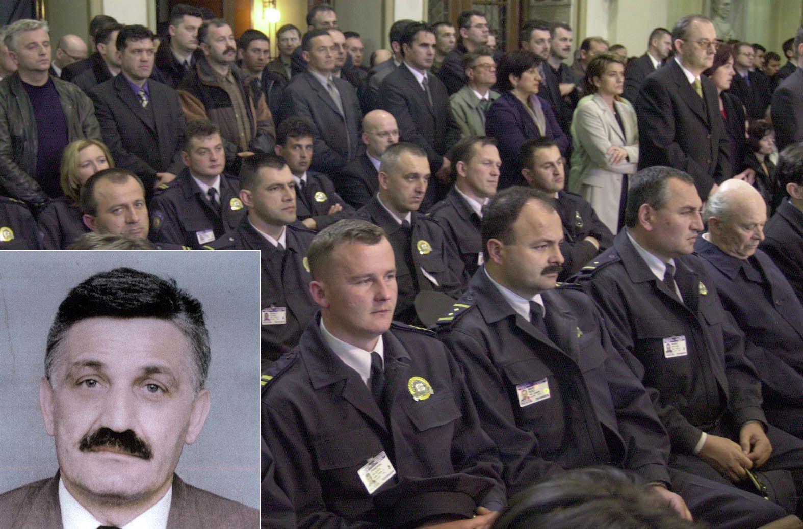 Misa za pokojnog Jozu Leutara 2001. (pozadina); Jozo Leutar