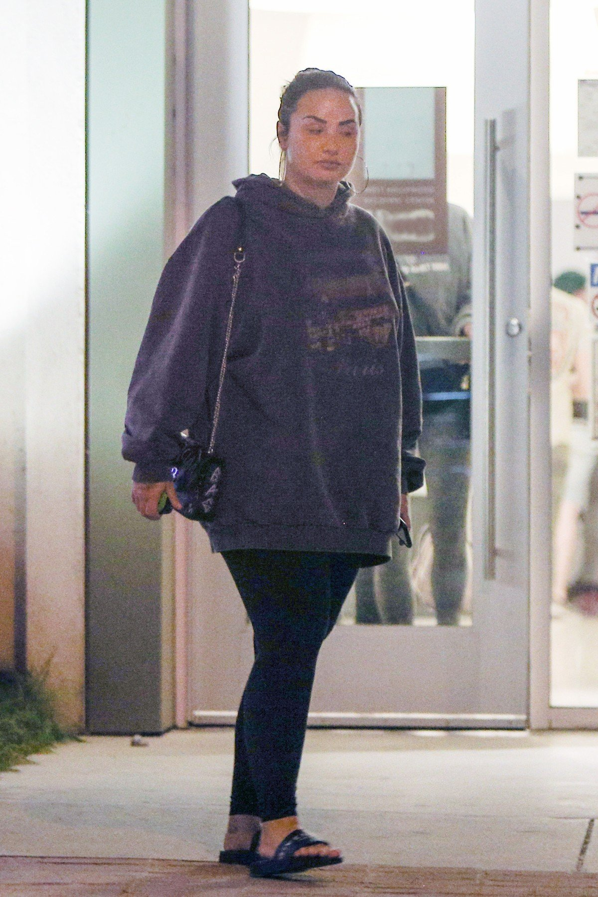FIA PREMIUM Exclu! ***NO USE W/O PRIOR AGREEMENT - CALL FOR PRICING*** Demi Lovato goes out in Public to shop at a Beauty Store in Beverly Hills 03/14/19! The singer was spotted with a friends checking out spa treatments, waxing creams, body scrubs and other facial creams at upscale store on Thursday evening, 03/14.19 ***NO USE W/O PRIOR AGREEMENT - CALL FOR PRICING***  PREMIUM, Image: 419777628, License: Rights-managed, Restrictions: , Model Release: no, Credit line: Profimedia, FIA