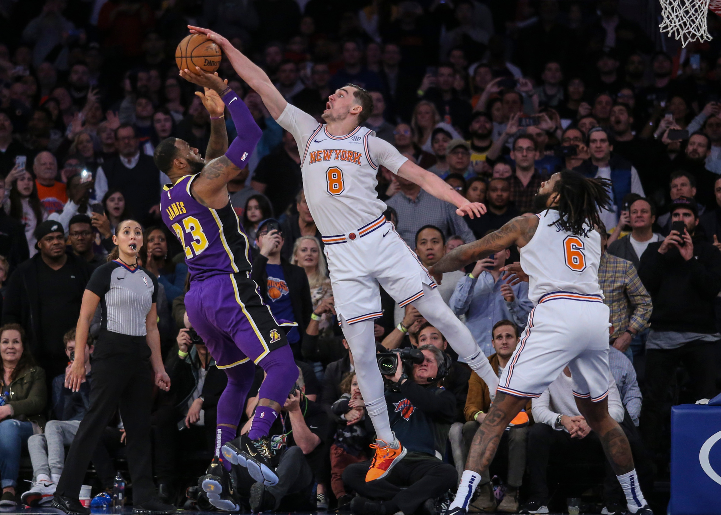 2019-03-17T185055Z_1642601049_NOCID_RTRMADP_3_NBA-LOS-ANGELES-LAKERS-AT-NEW-YORK-KNICKS