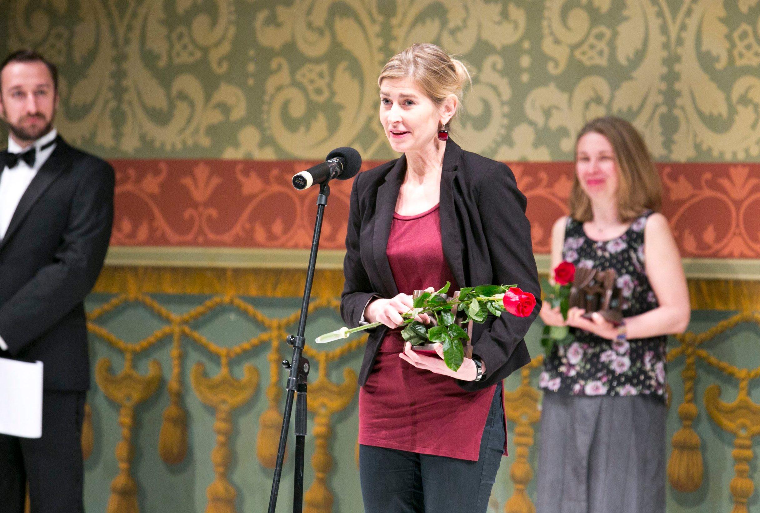Una Vizek prilikom primanja nagrade Marin Držić na Marulićevim danima