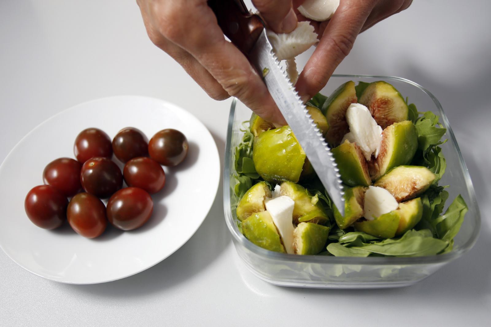 Umjesto smokve možete koristiti i drugo voće, primjerice dinju, breskvu ili nektarinu.