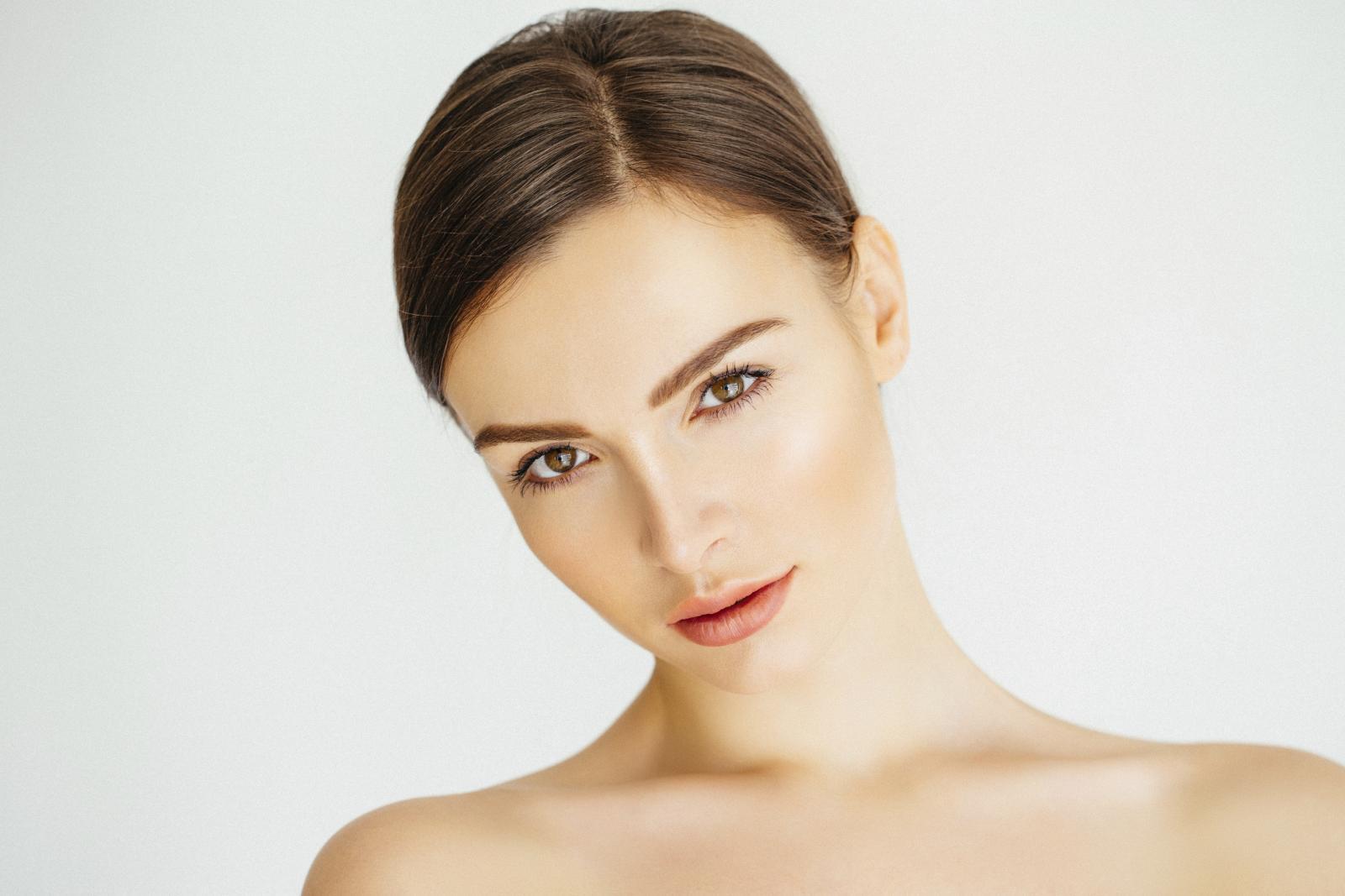 Koža lica posebno je osjetljiva te stoga traži da joj se više posvetimo. I na vrijeme.