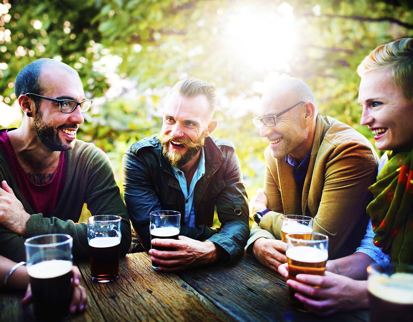 Dobro društvo je puno bolji recept za sreću od alkohola pa to potonje uvijek nastojte kombinirati s onim prvim.