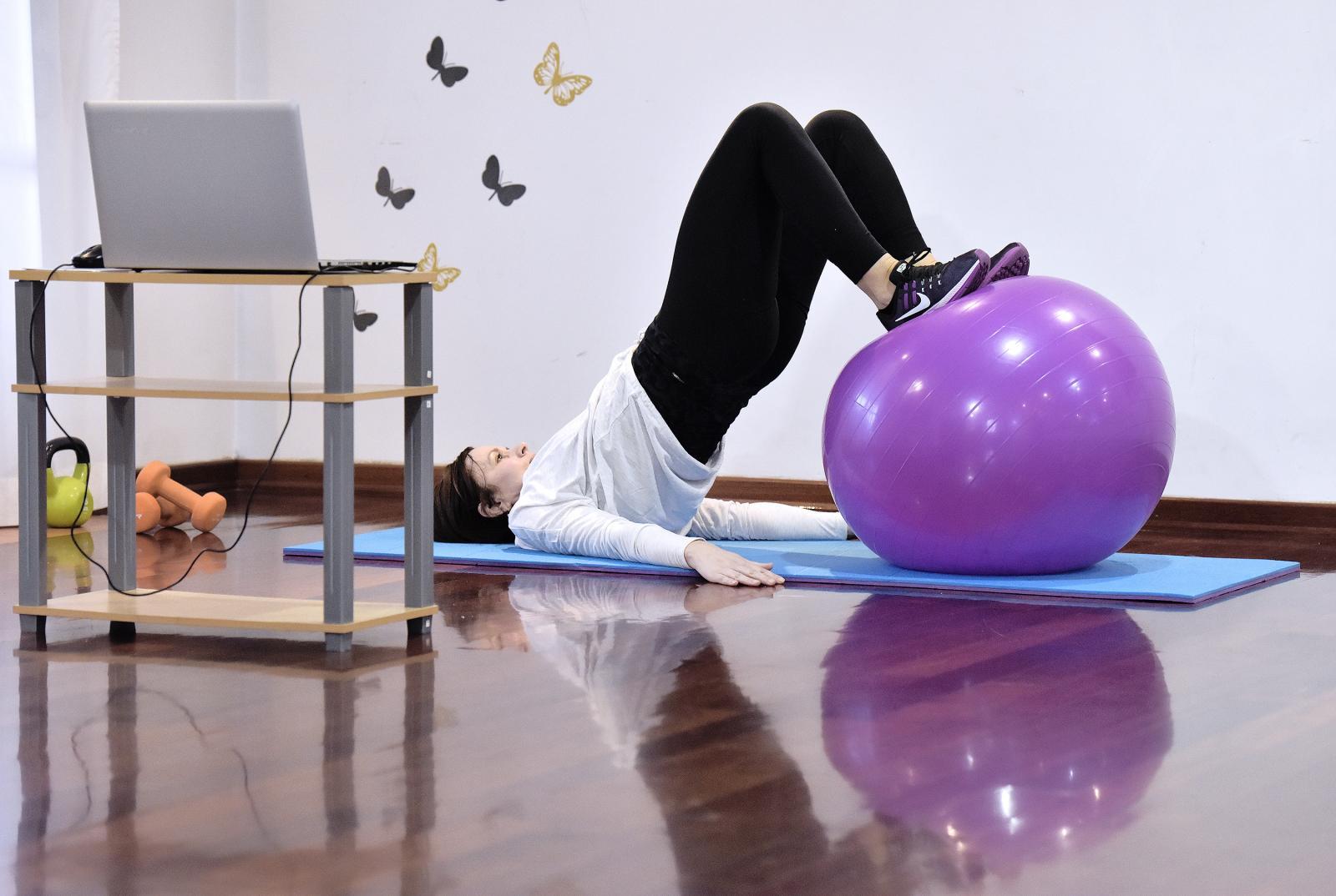 Iako fizički udaljeni jedni od drugih, treninzi se mogu izvoditi pojedinačno, ali i grupno.