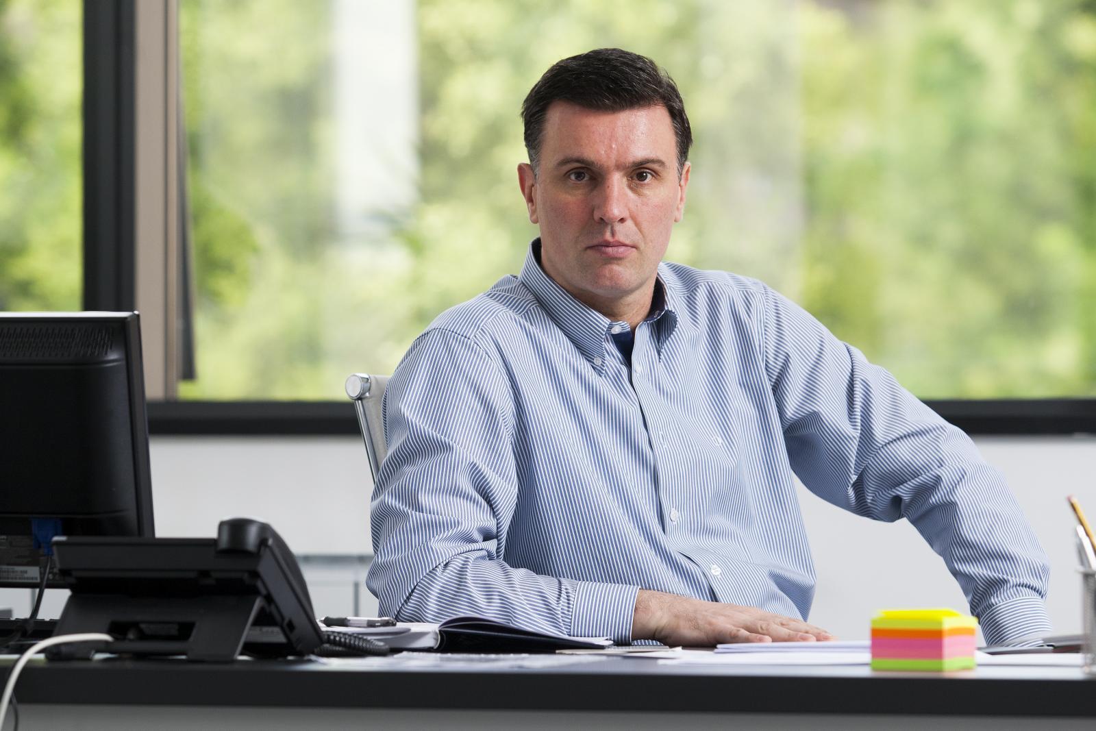 Predsjednik Hrvatske liječničke komore Trpimir Goluža upozorava na zabrinjavajuću situaciju i poziva na konkretne mjere da se zaustavi odljev visokih kadrova.