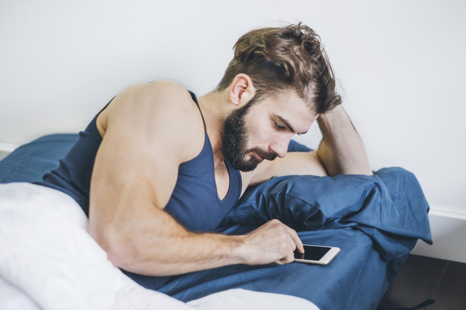 Istraživanja govore kako su muškarci skloniji cybersexu. Jedno od objašenjenja je kako su skloniji voajerizmu od žena.