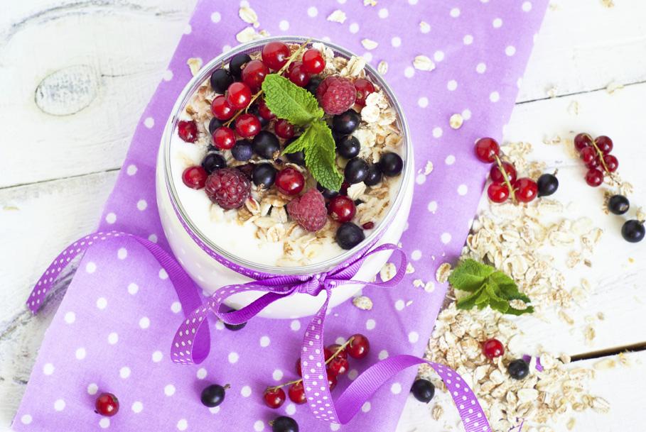 Volite li jogurt, birajte grčki koji uvijek možete obogatiti voćem koje vam je pri ruci